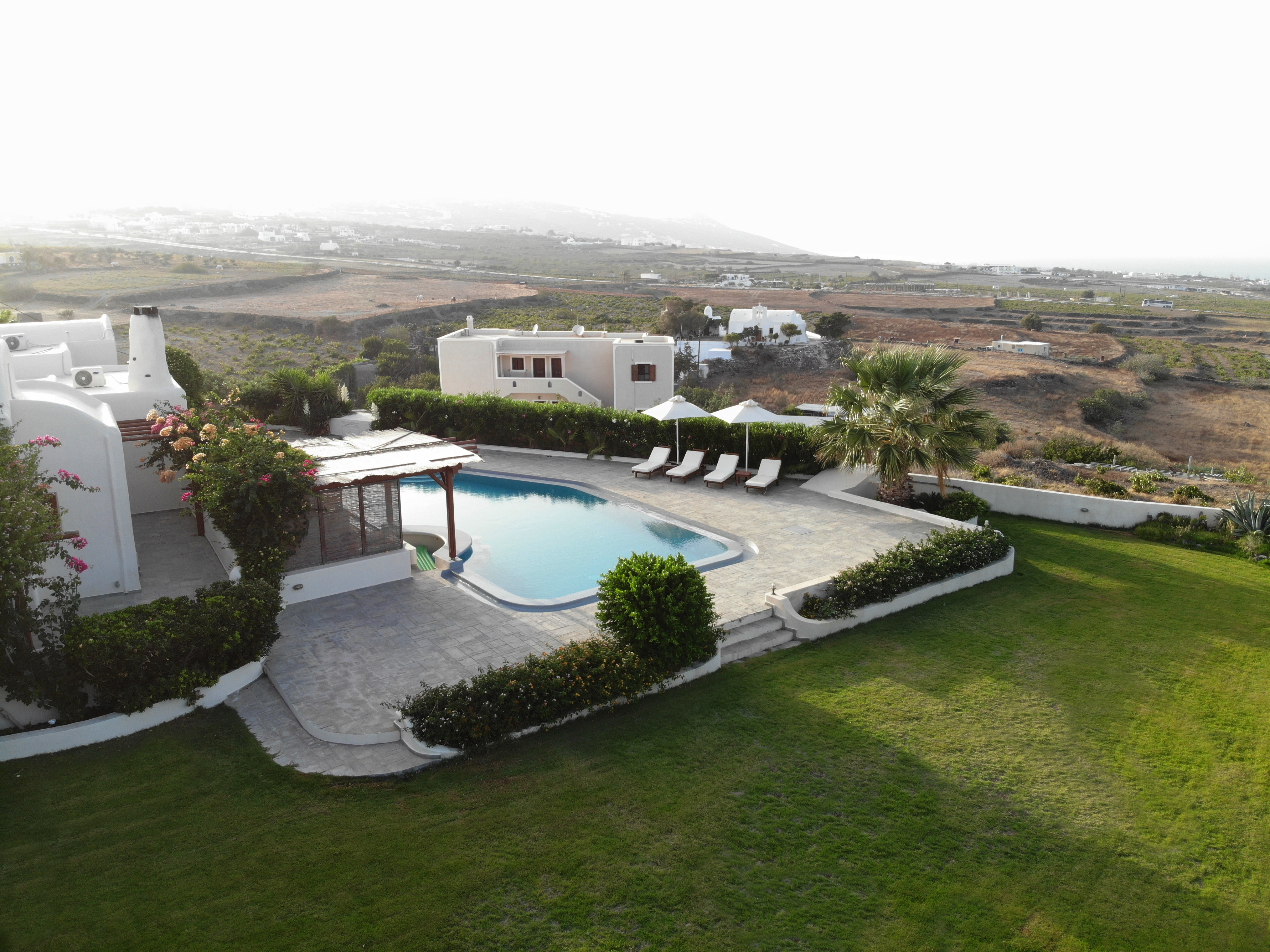 Property Image 2 - Large Traditional Villa with private garden and pool