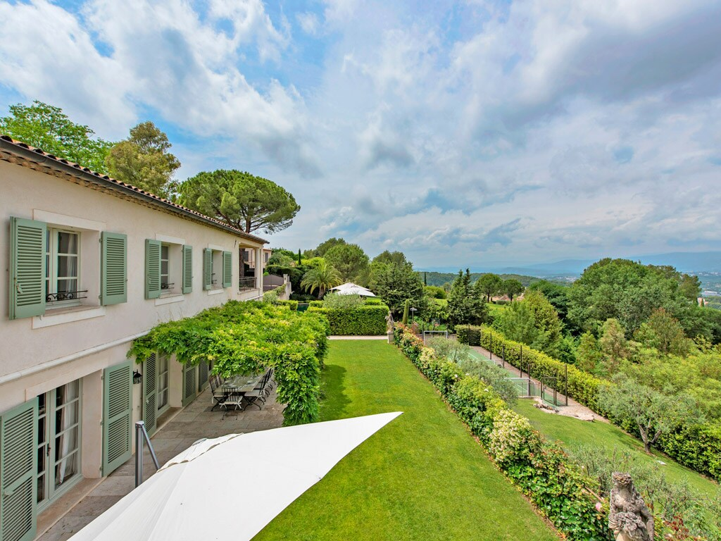 Property Image 2 - Upscale French Villa in Medieval Village with Panoramic Views