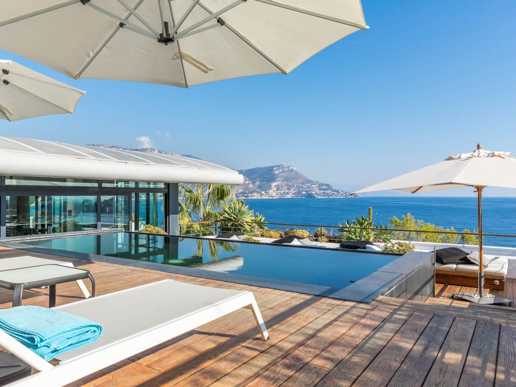 Property Image 1 - Serviced Contemporary Villa with Infinity Pool & Fantastic Sea View