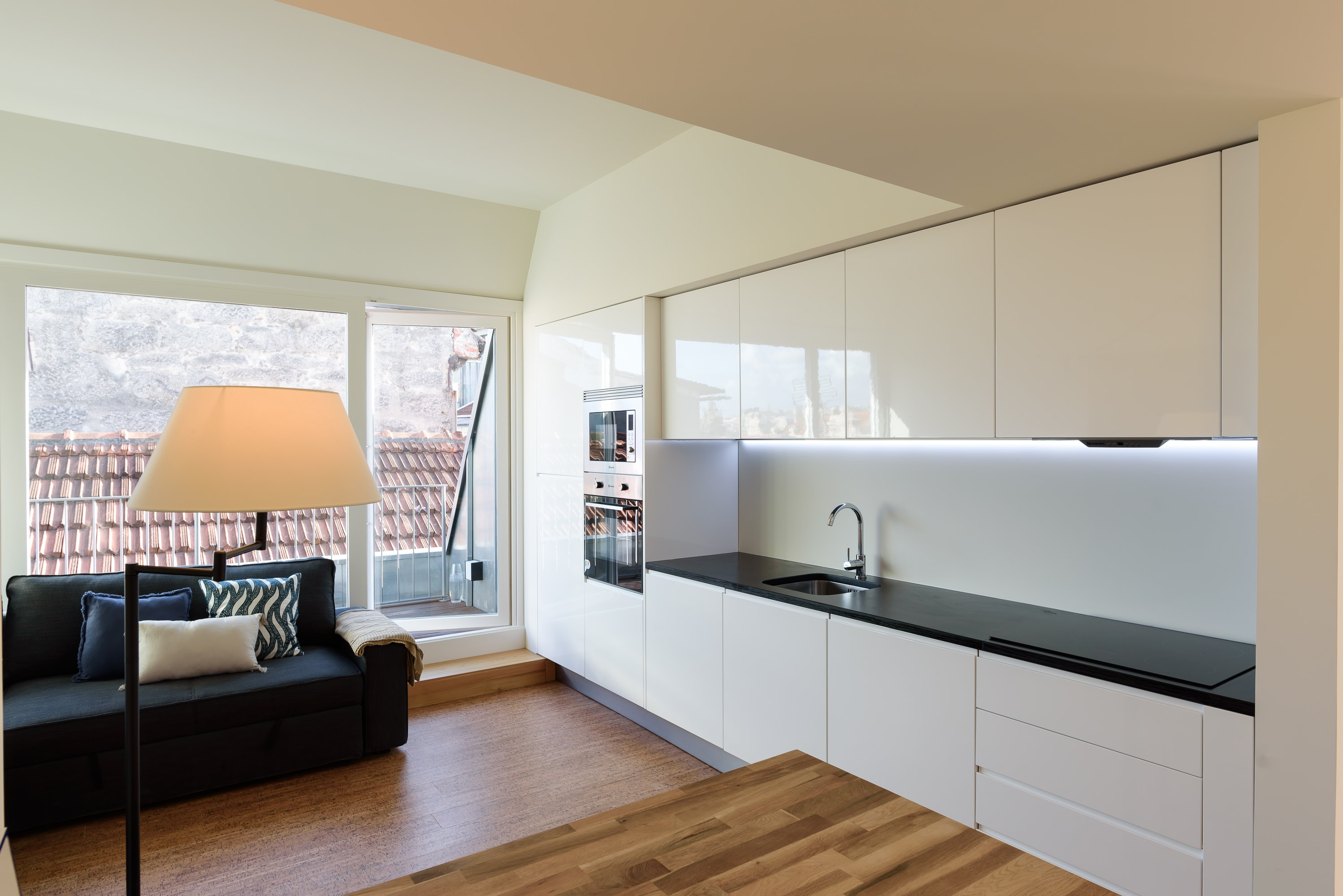 Property Image 1 - Exclusive City Apartment with Balcony