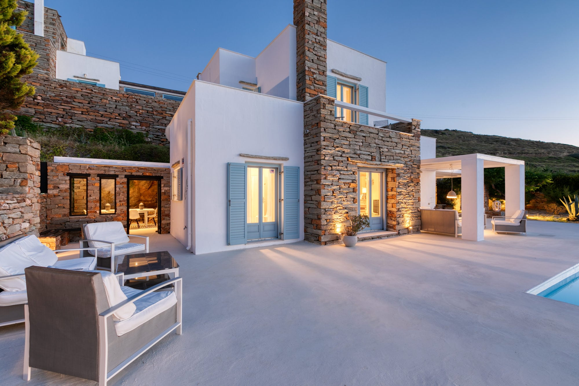Property Image 1 - Contemporary 4 bedroom villa with private pool and breathtaking views