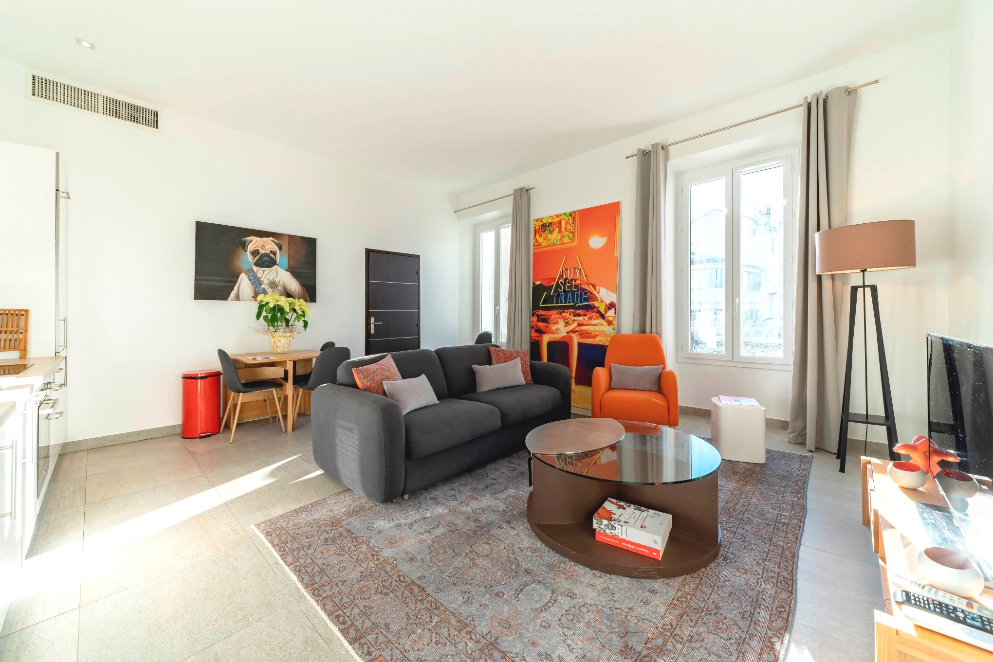 Property Image 1 - Bright, Eclectic Apartment with Balcony in the Heart of City Center
