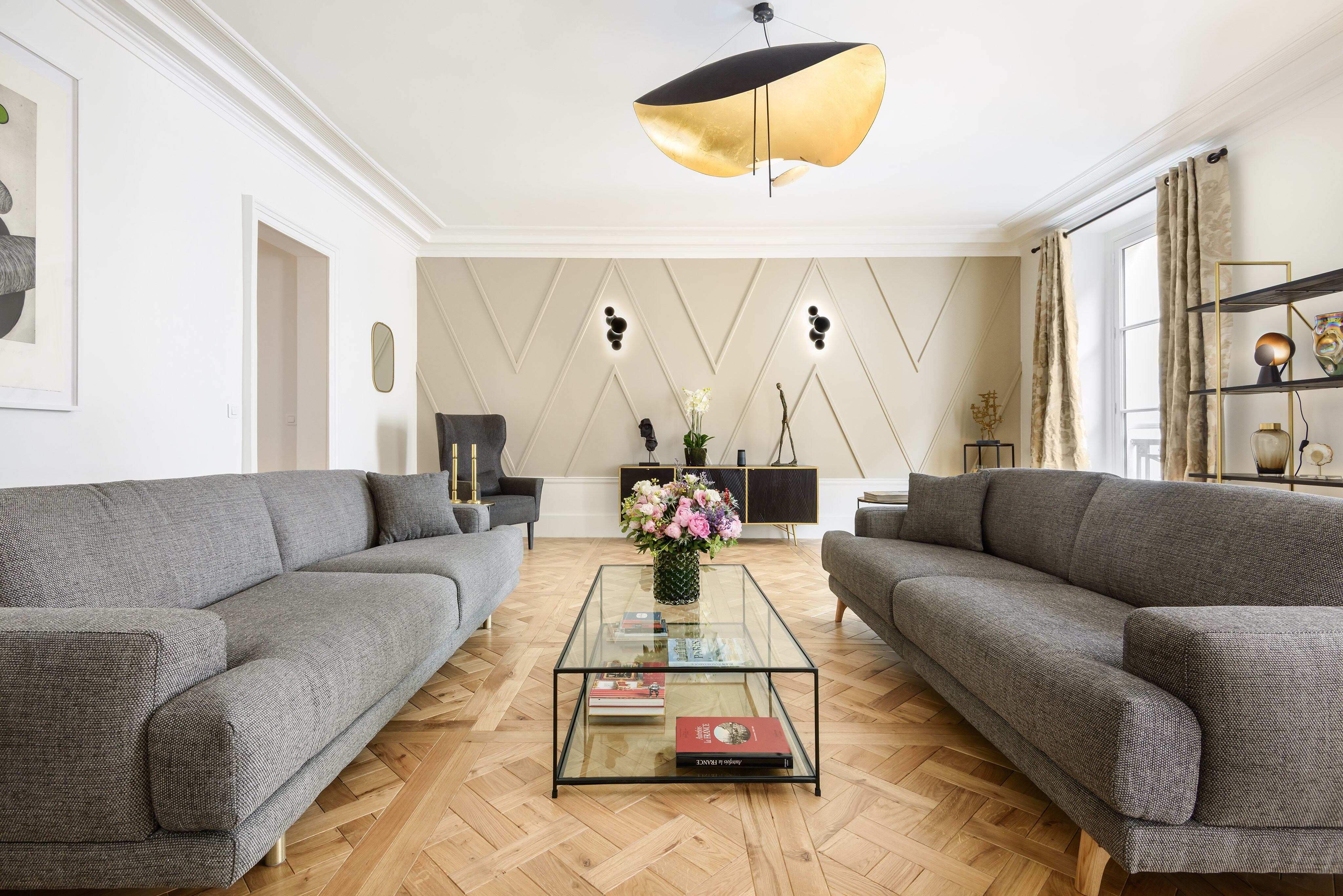 Property Image 2 - Modern Chic 2 bedroom apartment in the heart of the Marais