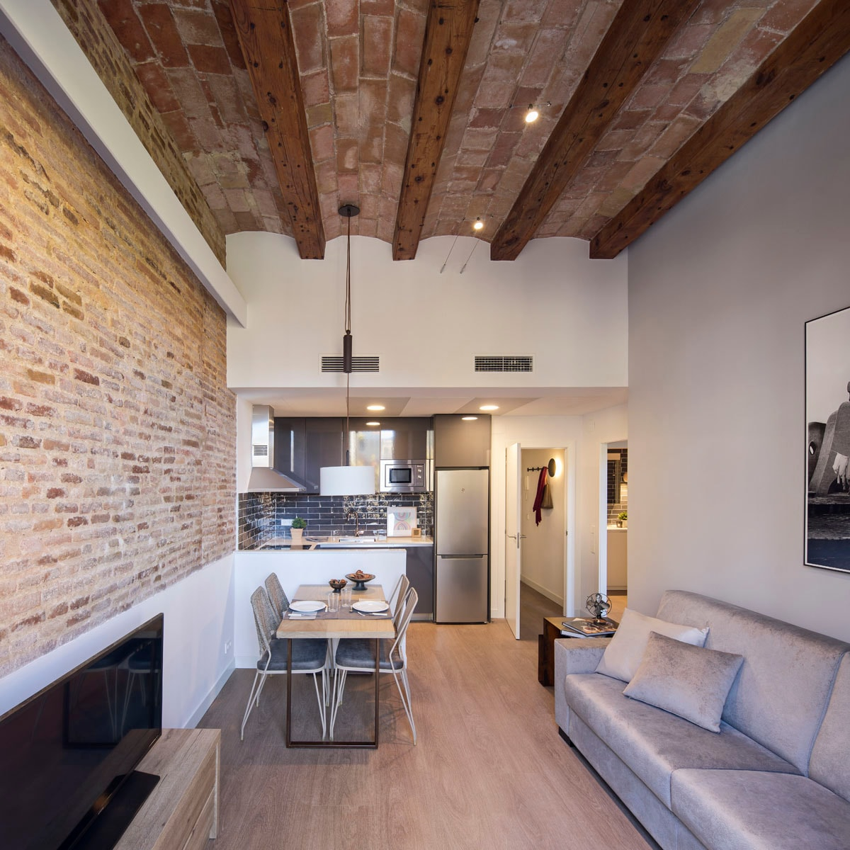 Property Image 1 - Wonderful City Centre Two Bedroom Apartment in Eixample