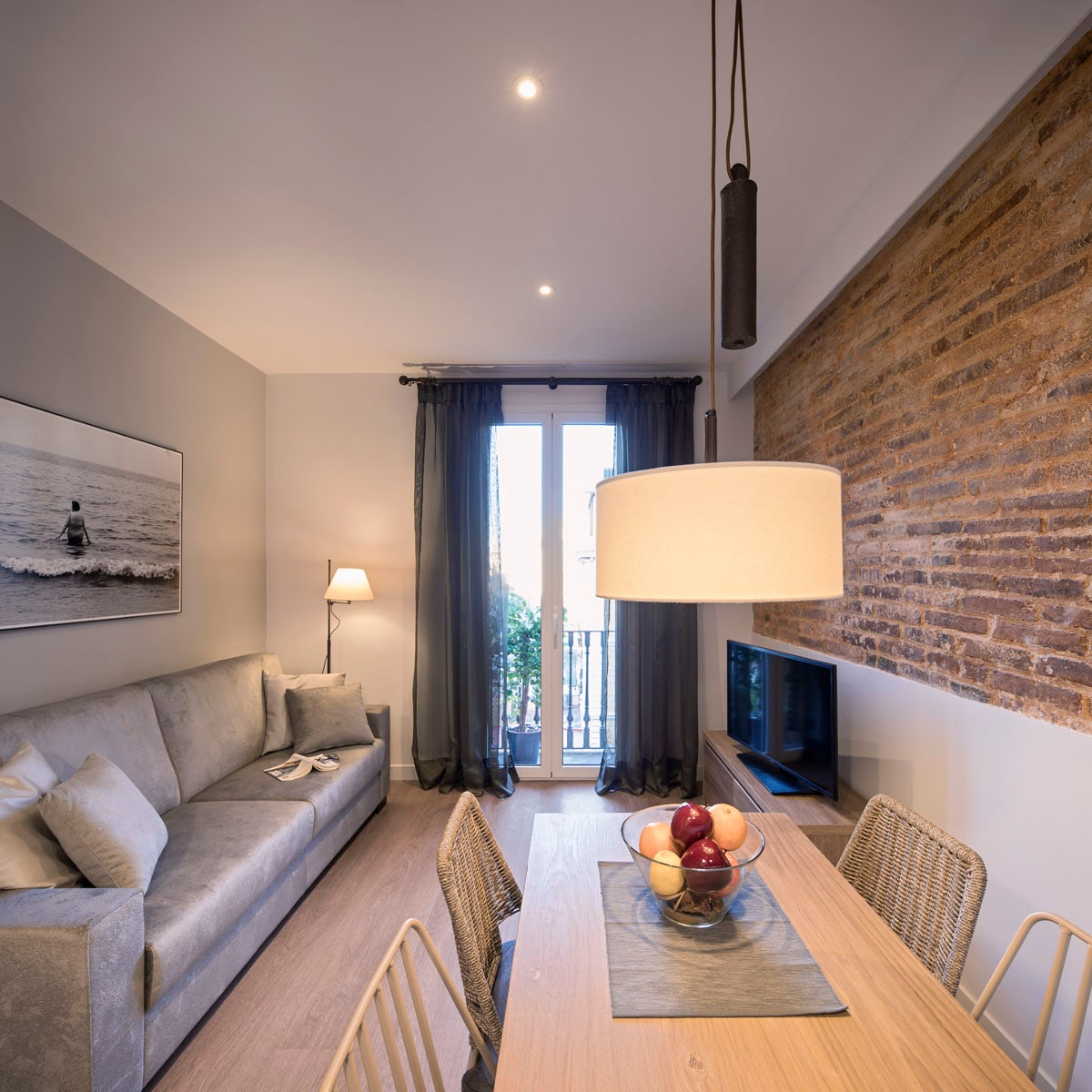 Property Image 2 - Wonderful City Centre Two Bedroom Apartment in Eixample