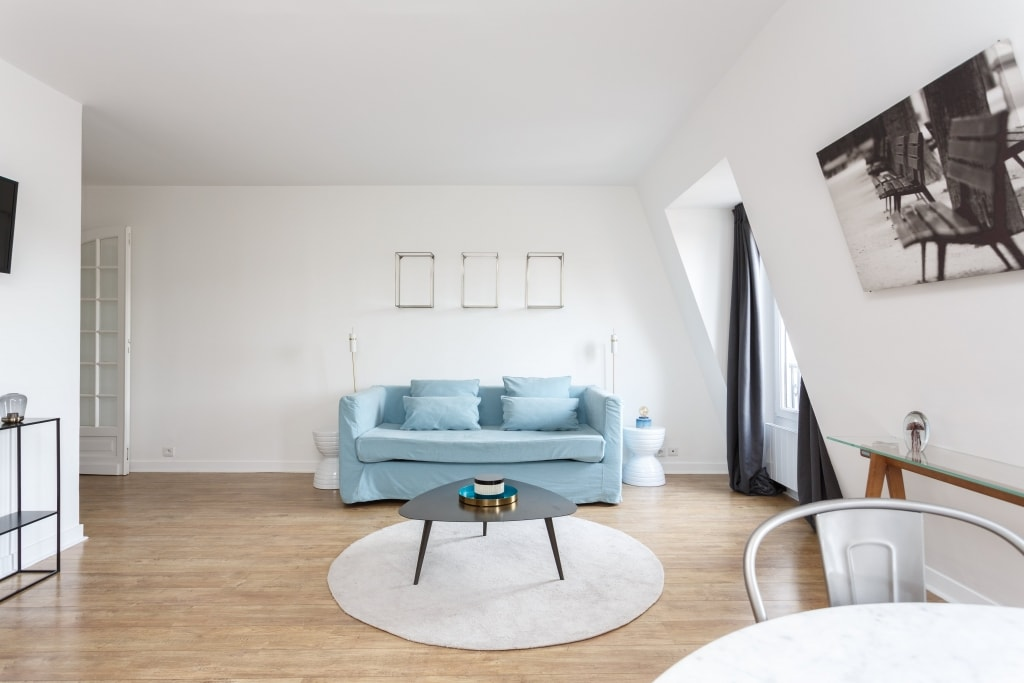 Property Image 2 - Delightful Two Bedroom Apartment at Louvre