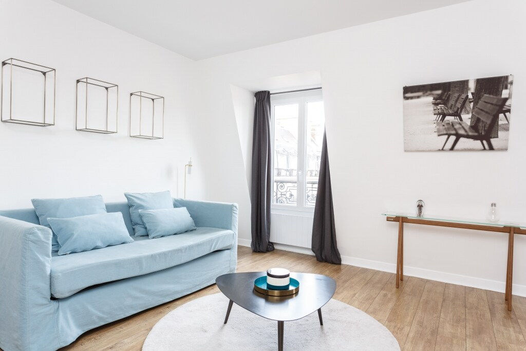Property Image 1 - Delightful Two Bedroom Apartment at Louvre