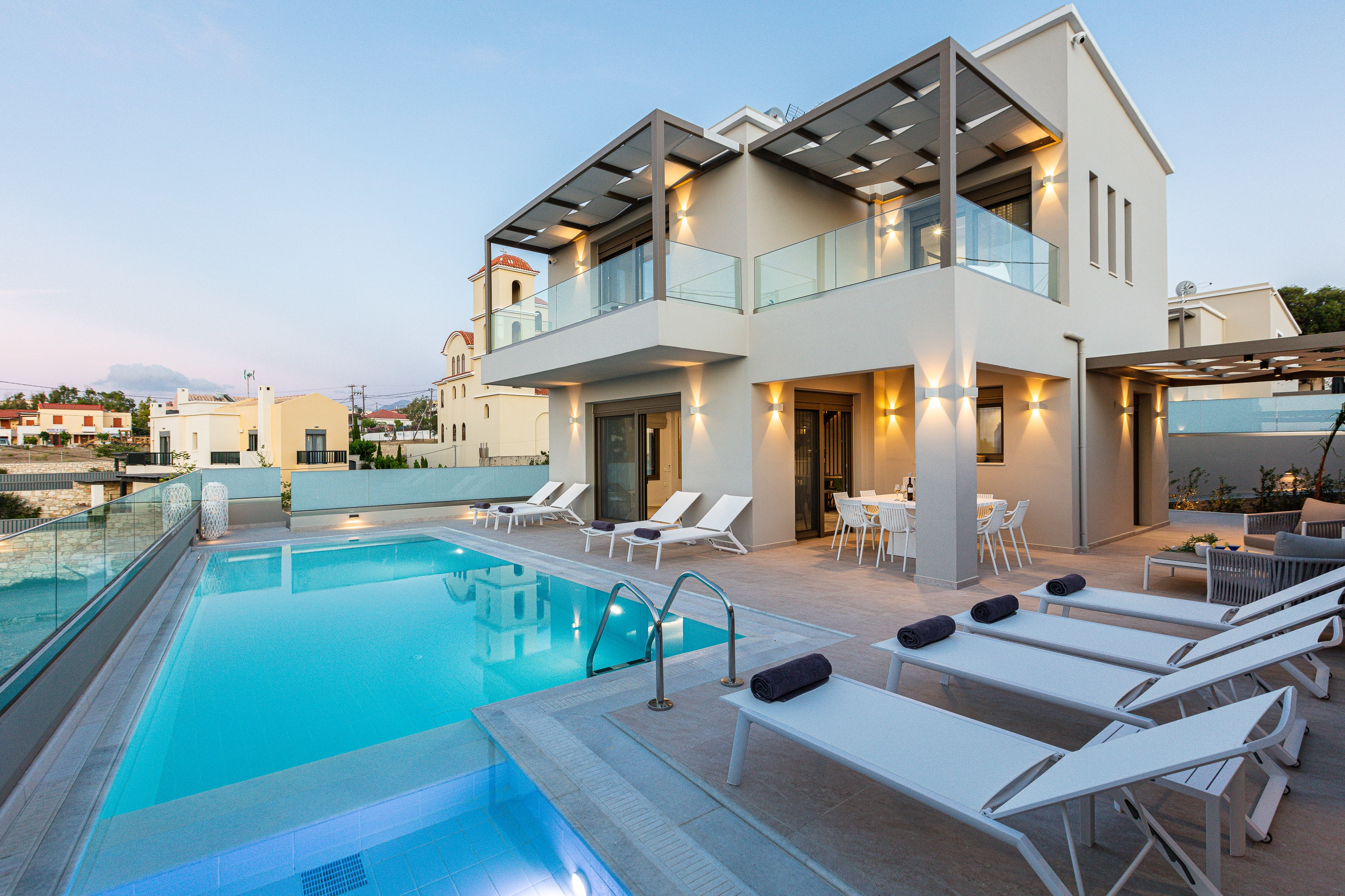 Captivating SeaView Villa with Private Pool & Close to the Beach
