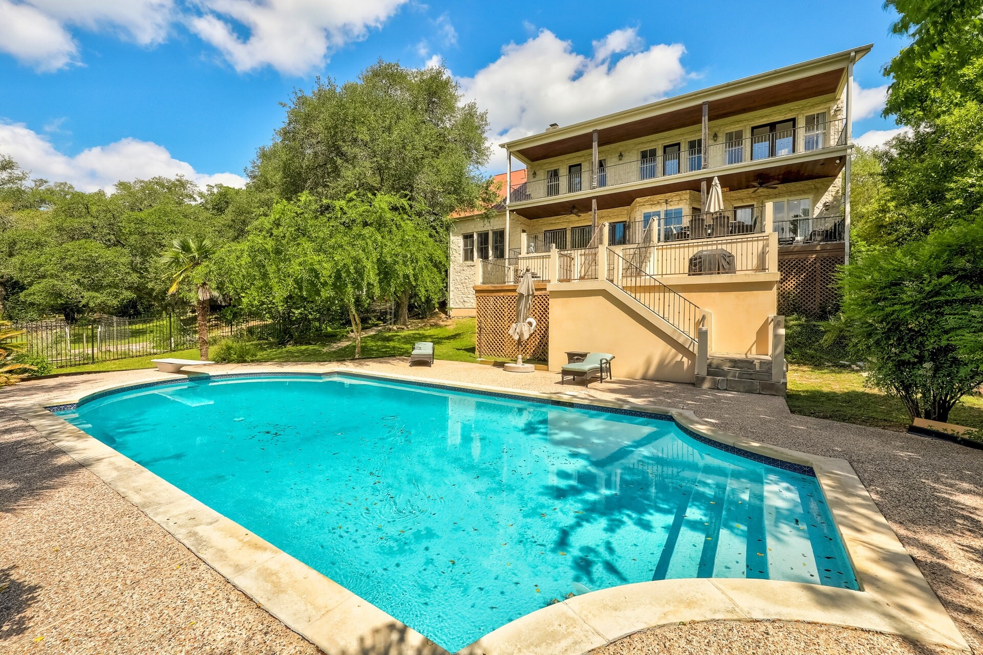 Property Image 1 - Stunning Waterfront Lake Travis Retreat w/ Resort Style Pool