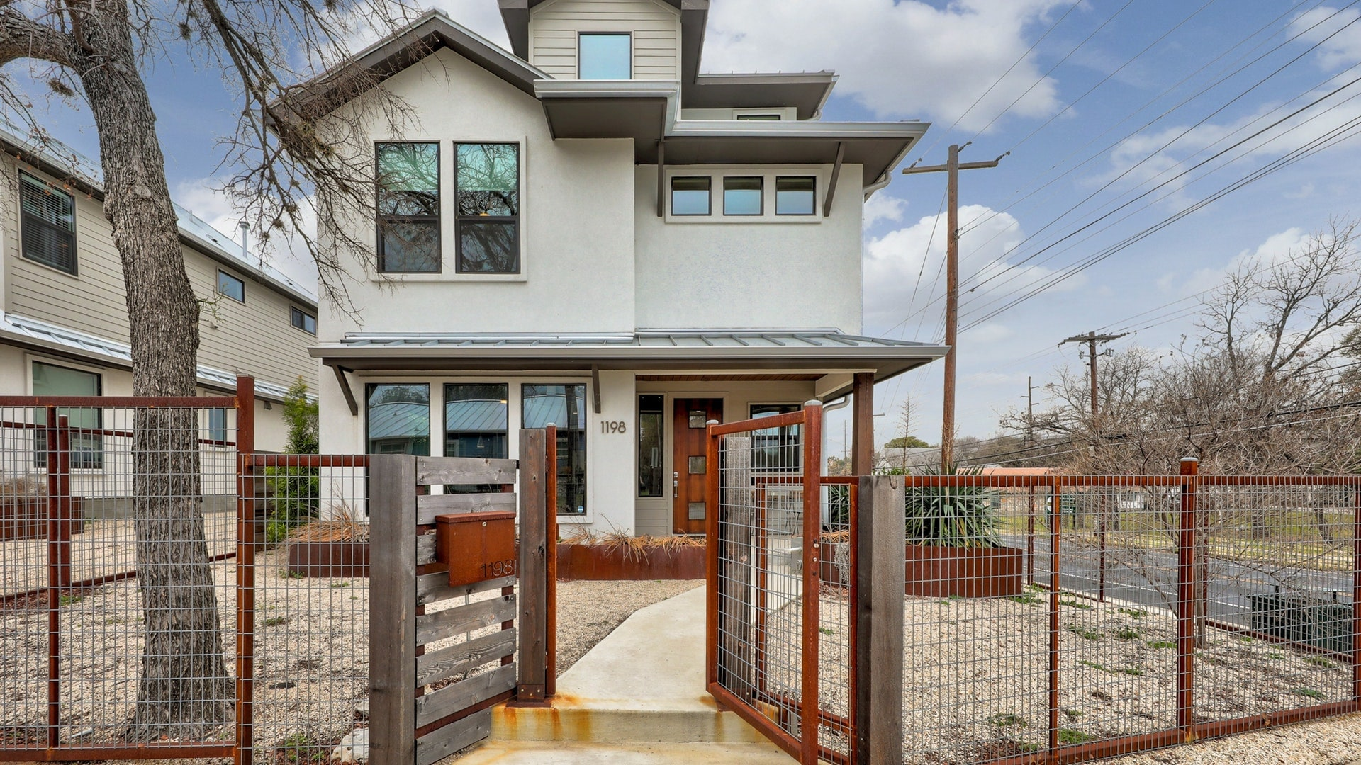 Stylish Three Story Home w/ Downtown Views