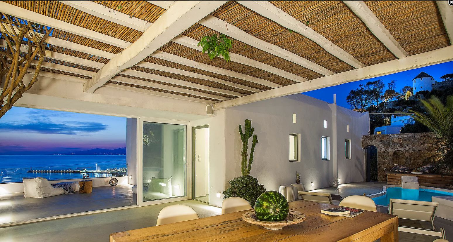 Gorgeous villa with private pool few steps from Mykonos Town