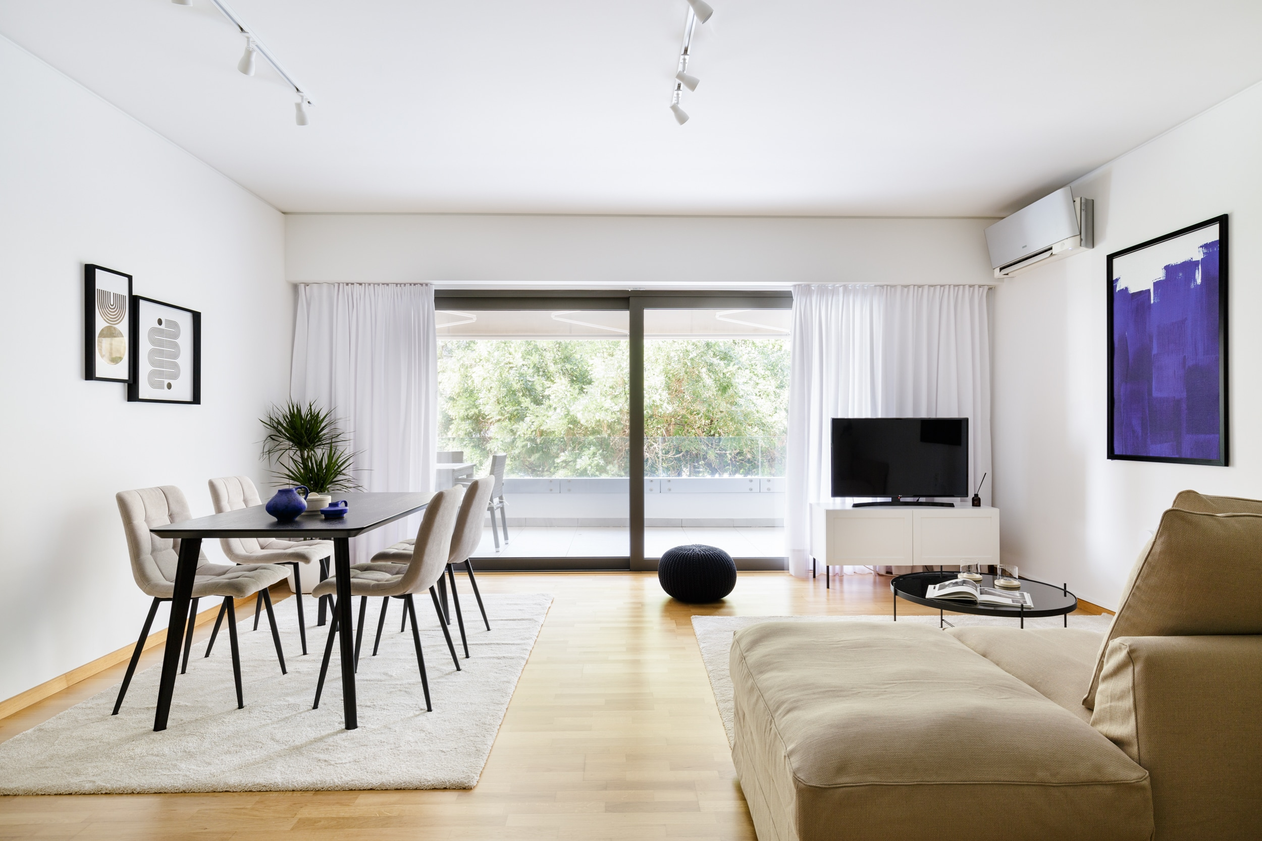 Property Image 1 - Exclusive Modern Apartment near Acropolis Museum