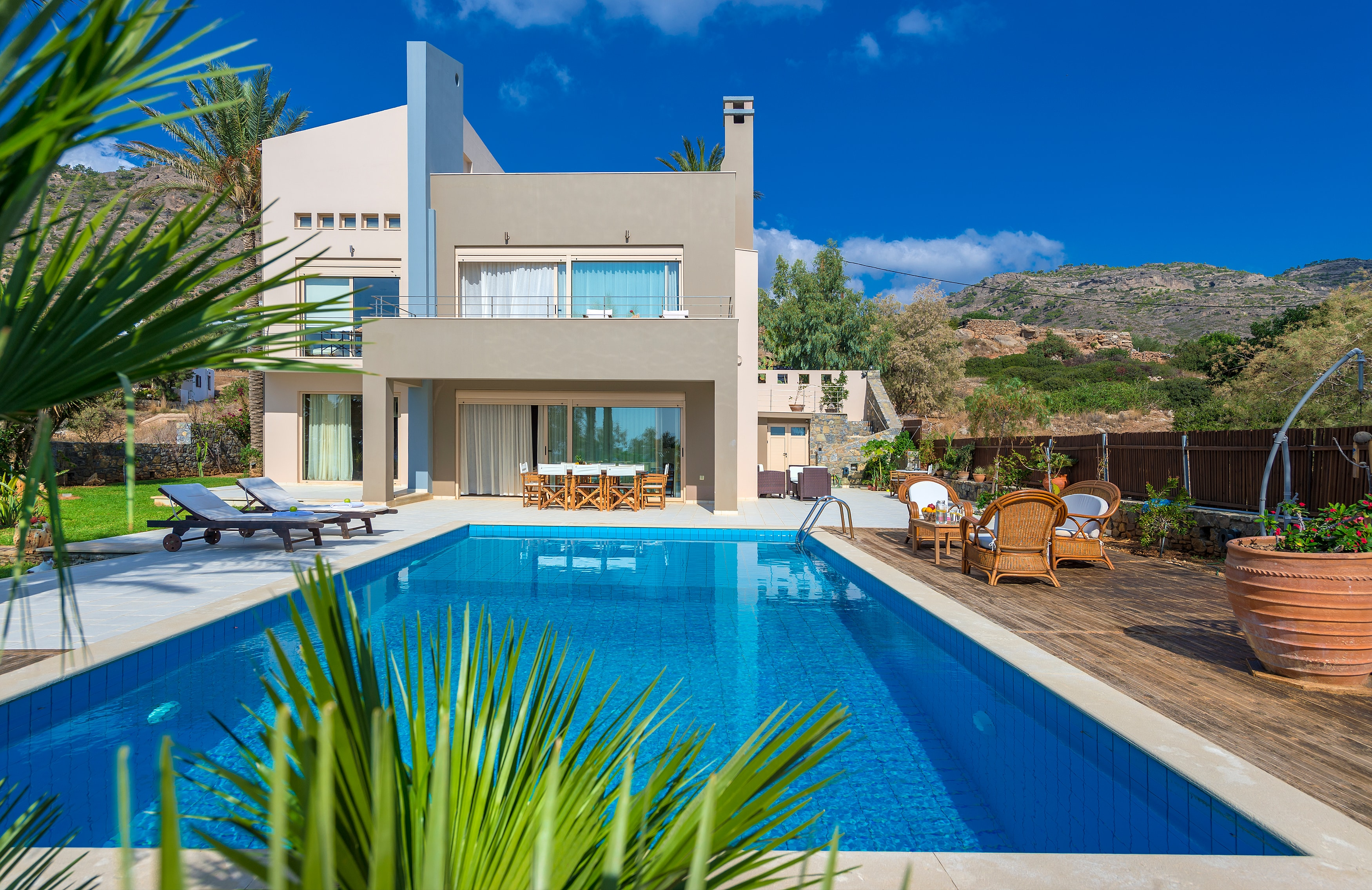 Property Image 1 - Ideal Holiday Villa with Enormous Garden and Own Pool