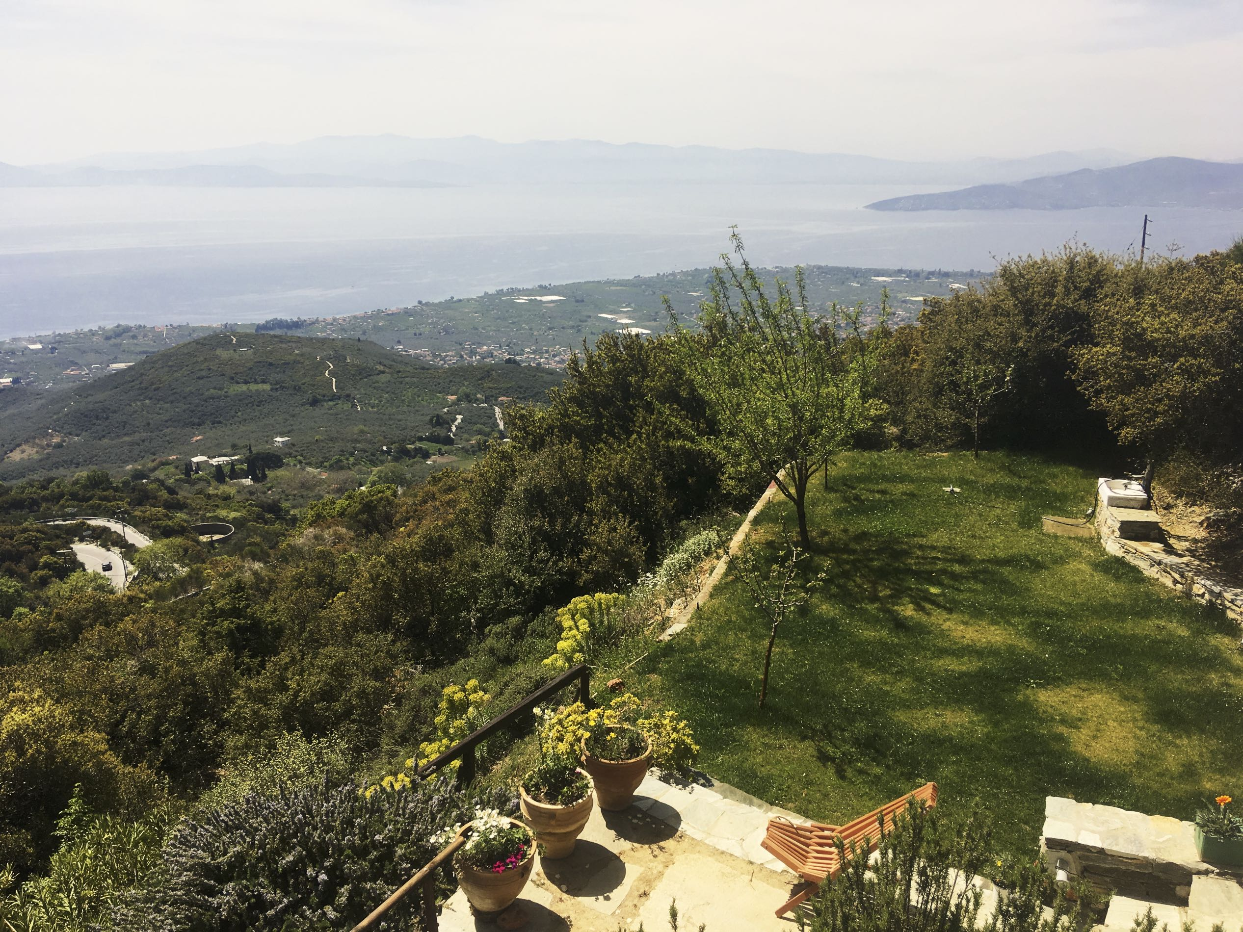 Property Image 2 - Great Hilltop Villa with Wondrous 360 View of Nature