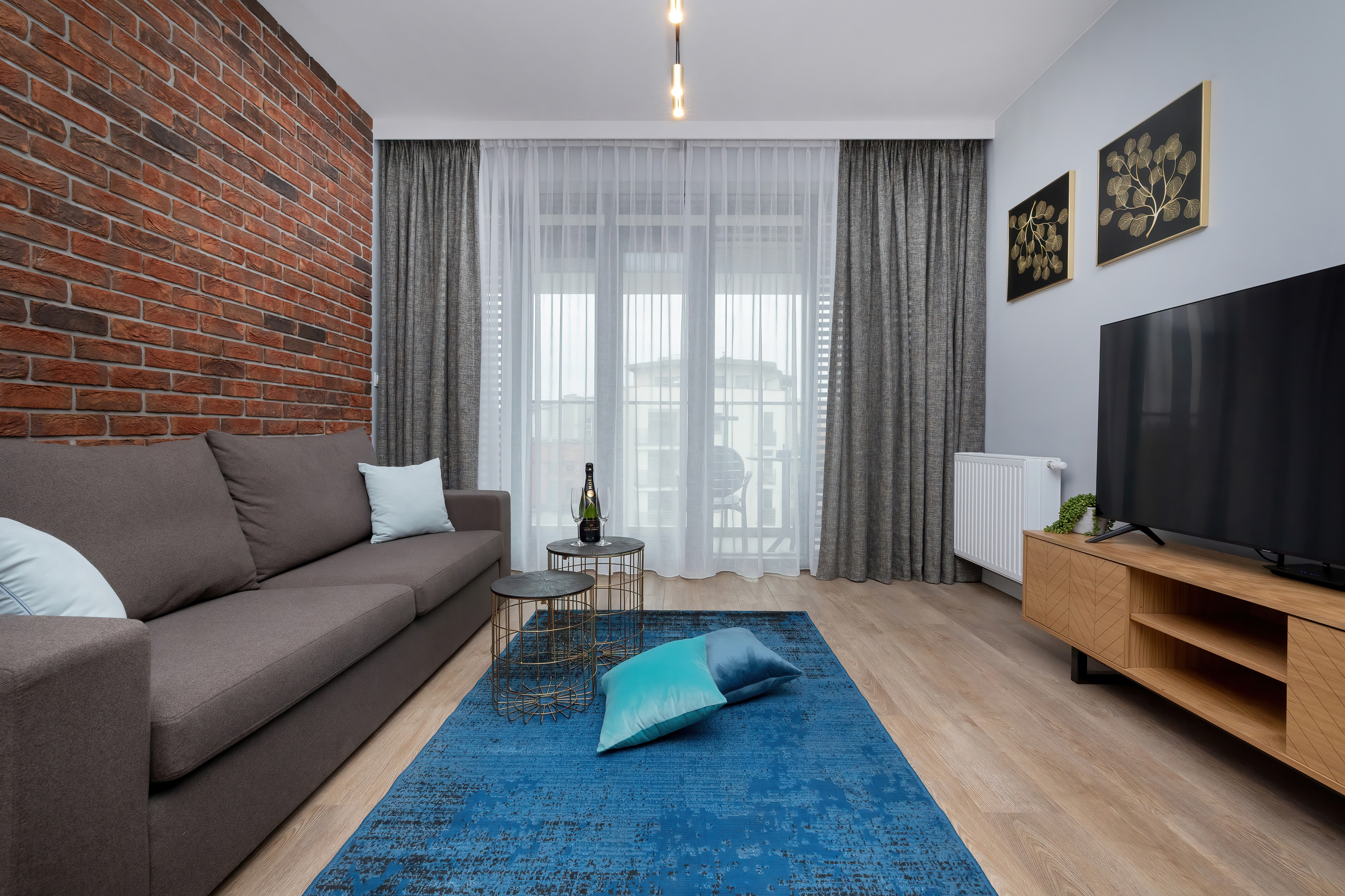 Property Image 1 - Vogue Apartament with 2 bedrooms and Parking in City Center