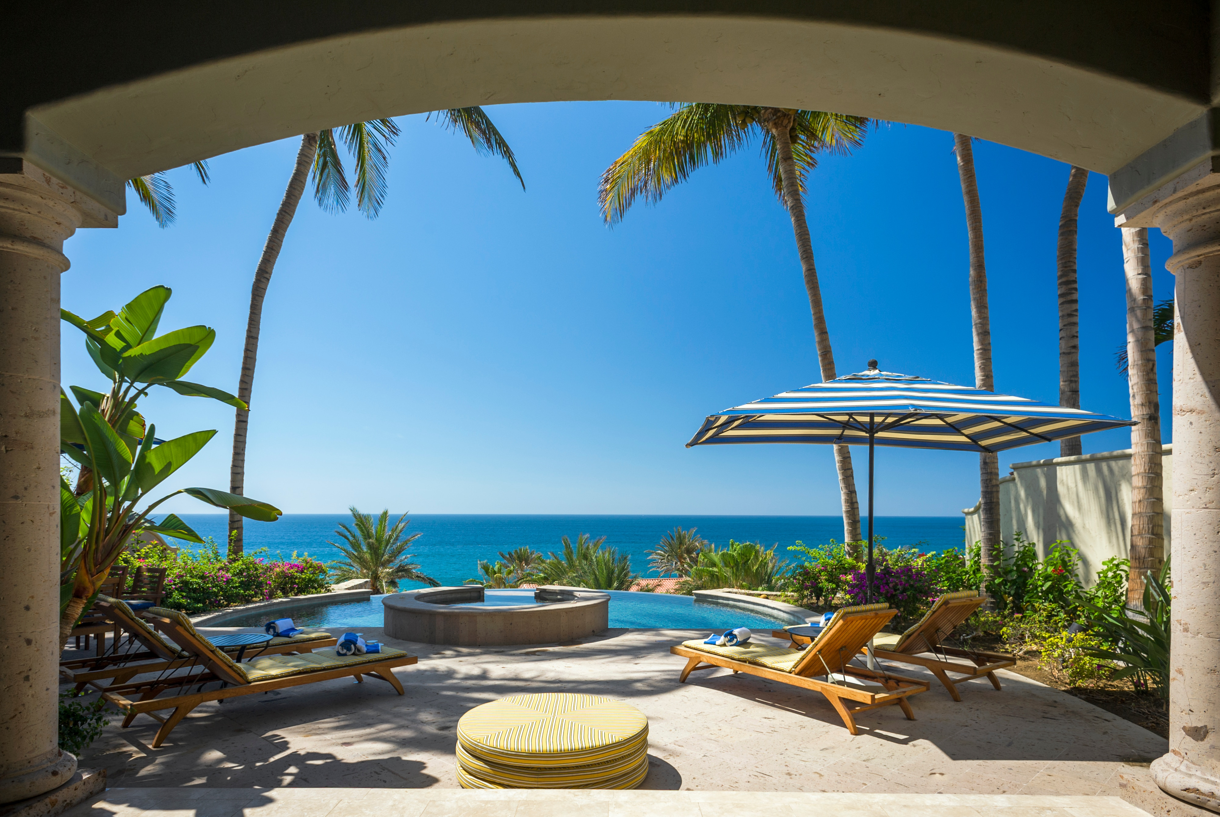 Property Image 2 - Striking Villa with Sweeping Ocean Vistas from a Pristine Los Cabos Address