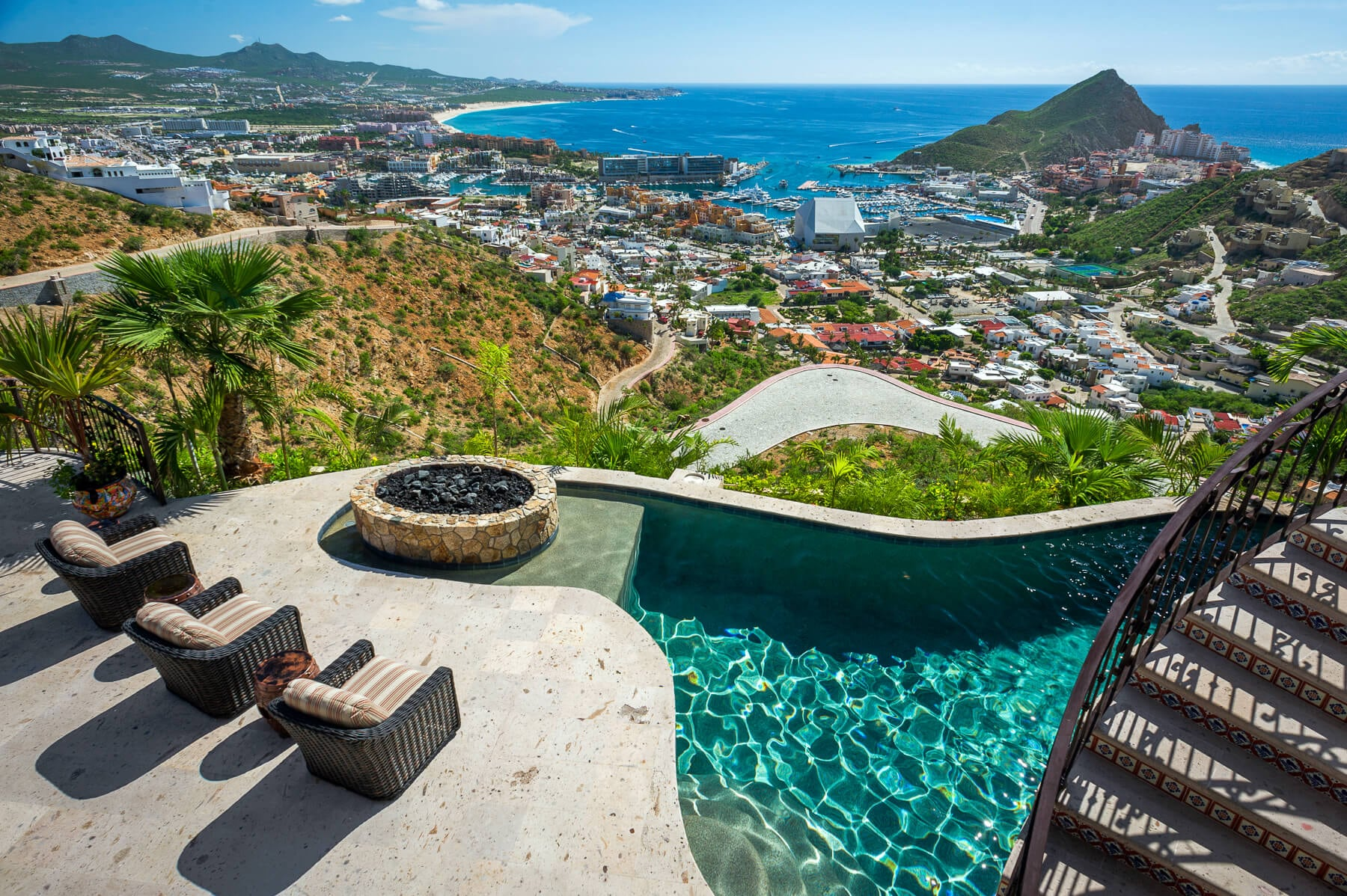 Property Image 1 - Idyllic Hillside Getaway in Pedregal for Large Groups
