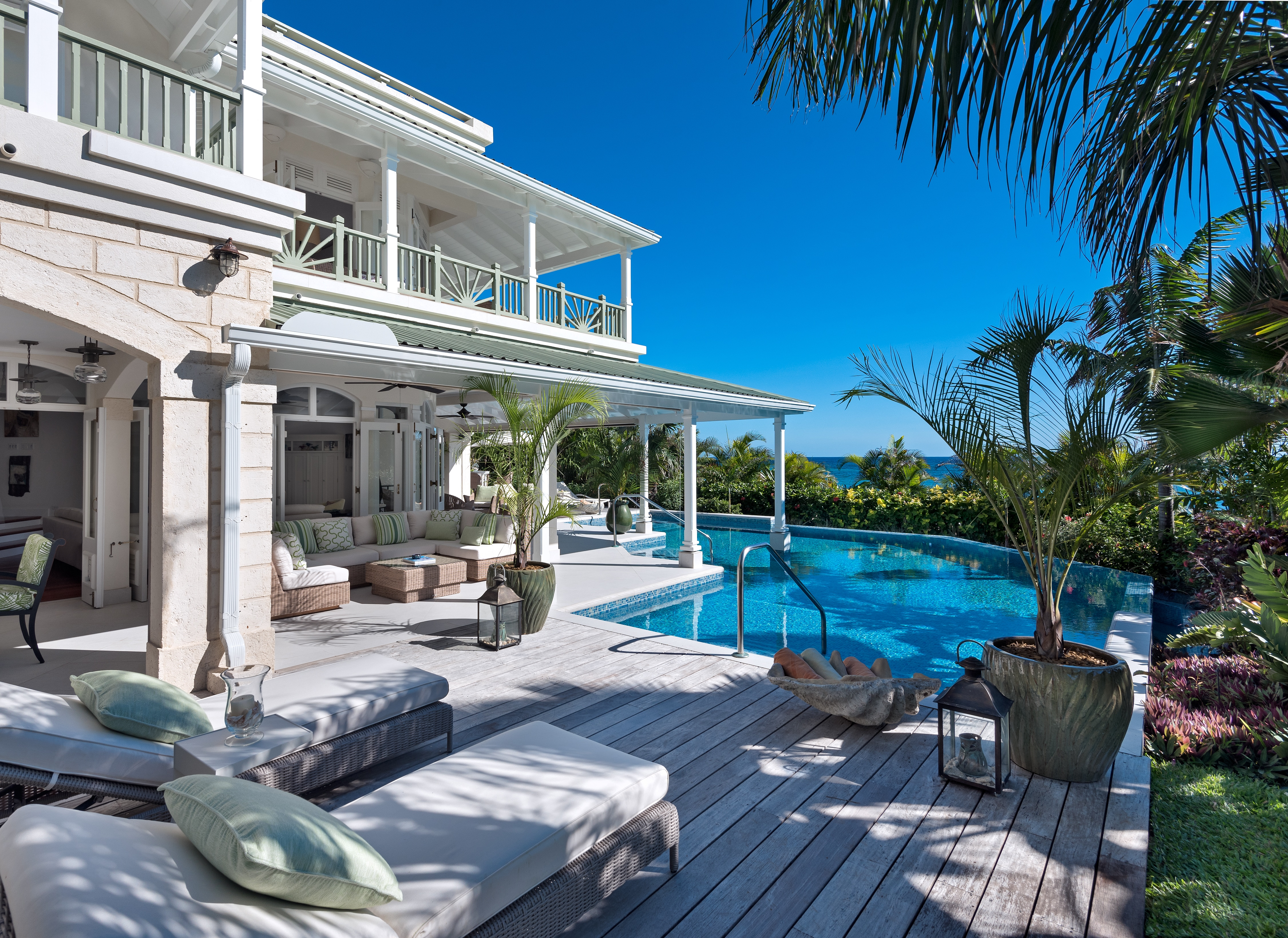 Property Image 1 - Vibrant and Luxurious Villa with Private Beach Access