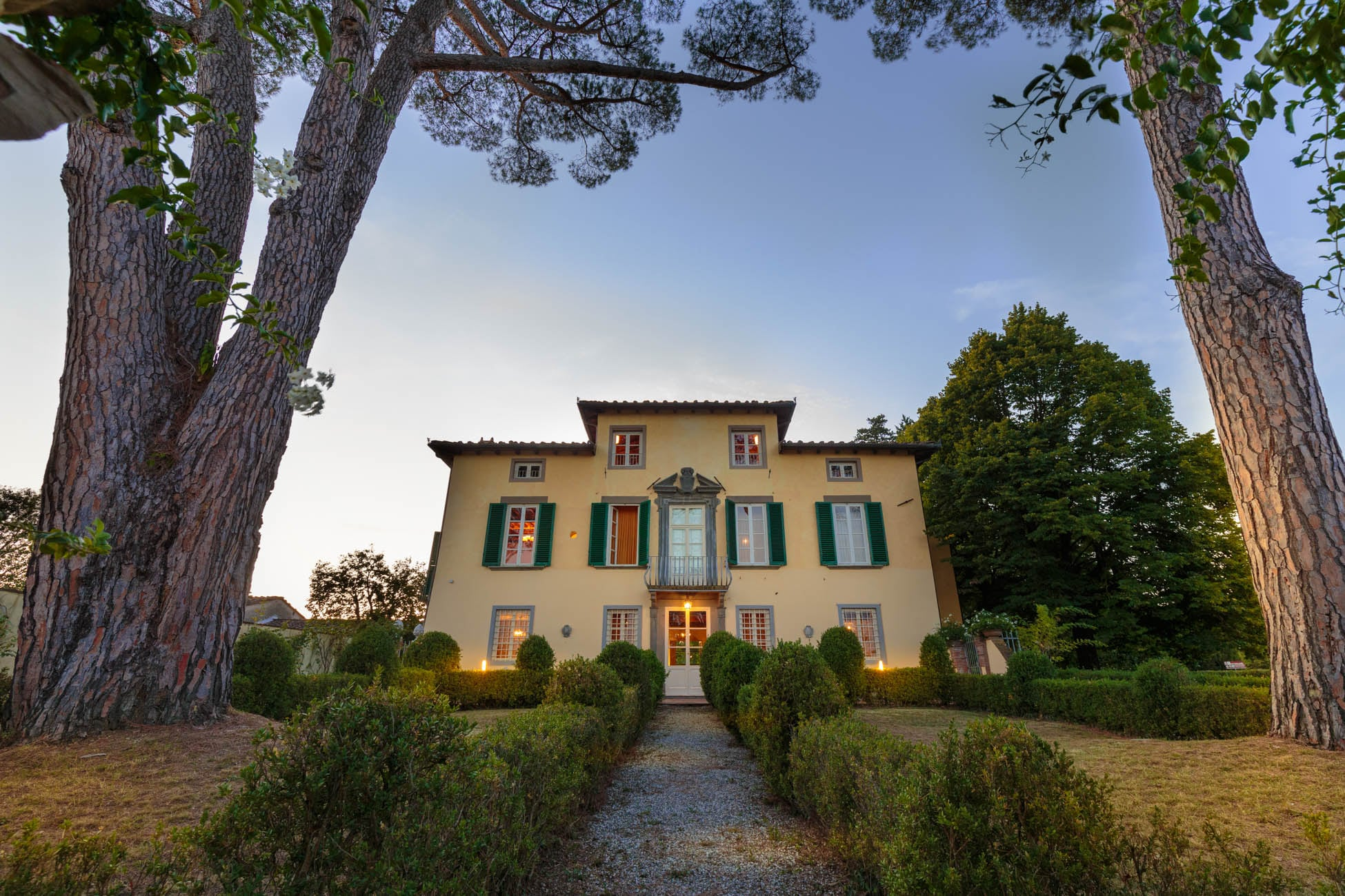 Property Image 2 - Monte San Quirico Fabulous Country House with Pool
