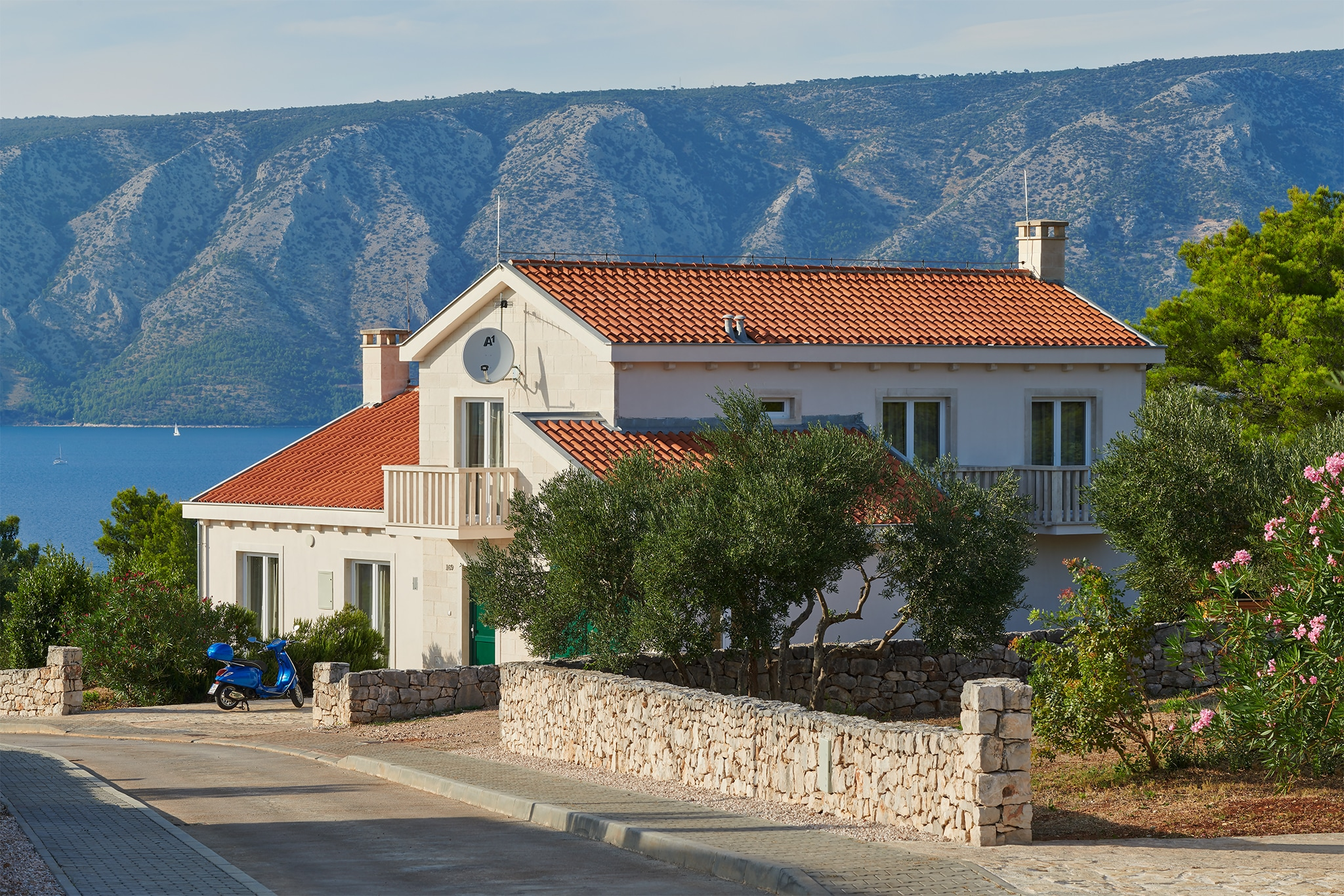 Property Image 1 - Peaceful Seaside Villa with Pool in the Adriatic Sea