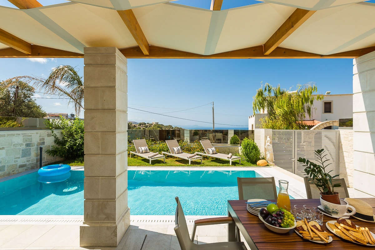 Property Image 1 - Captivating Villa, with Private Heated Pool, BBQ & Spa Whirlpool