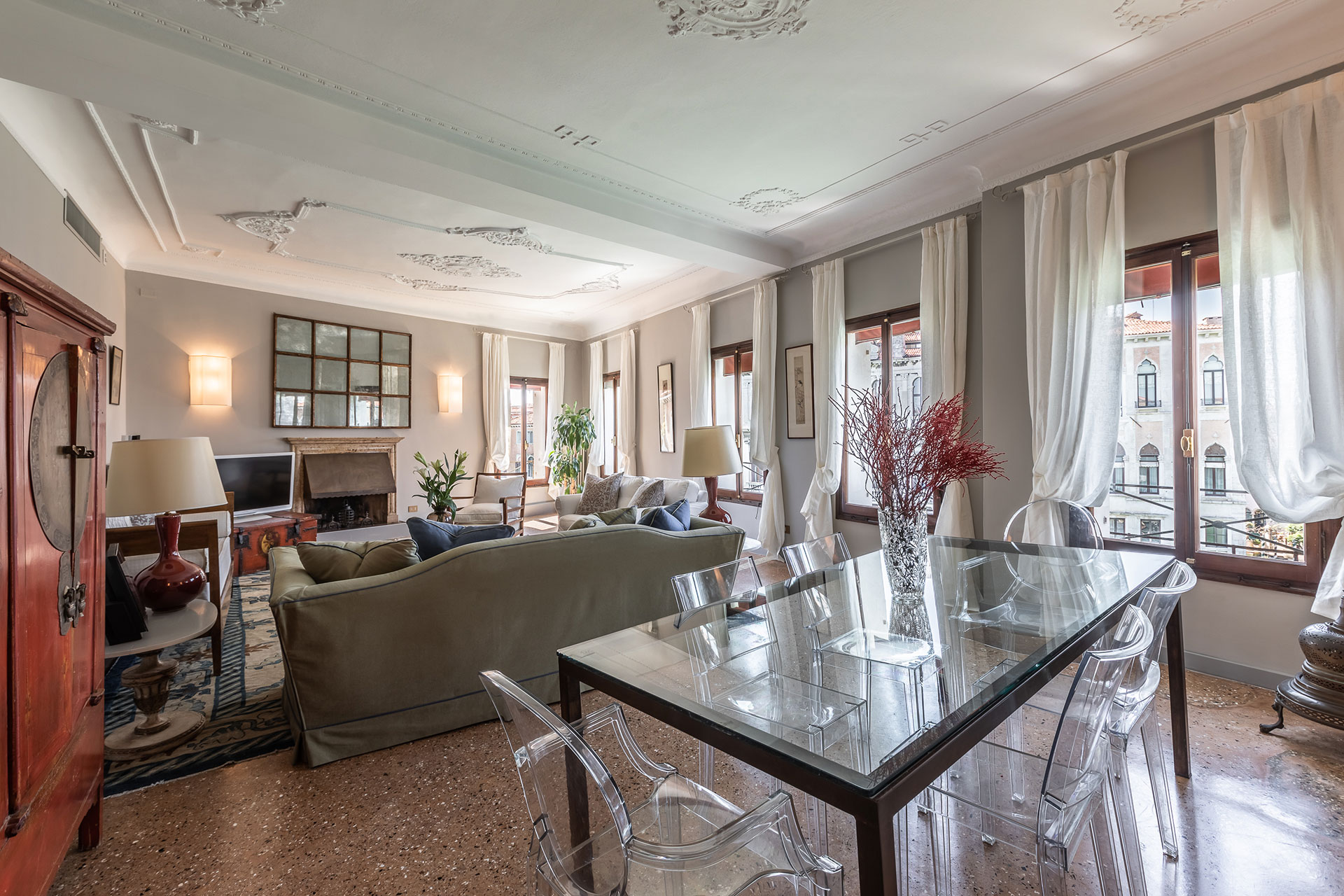 Property Image 2 - Grand Canal Apartment with Elevator and Scenic Terrace