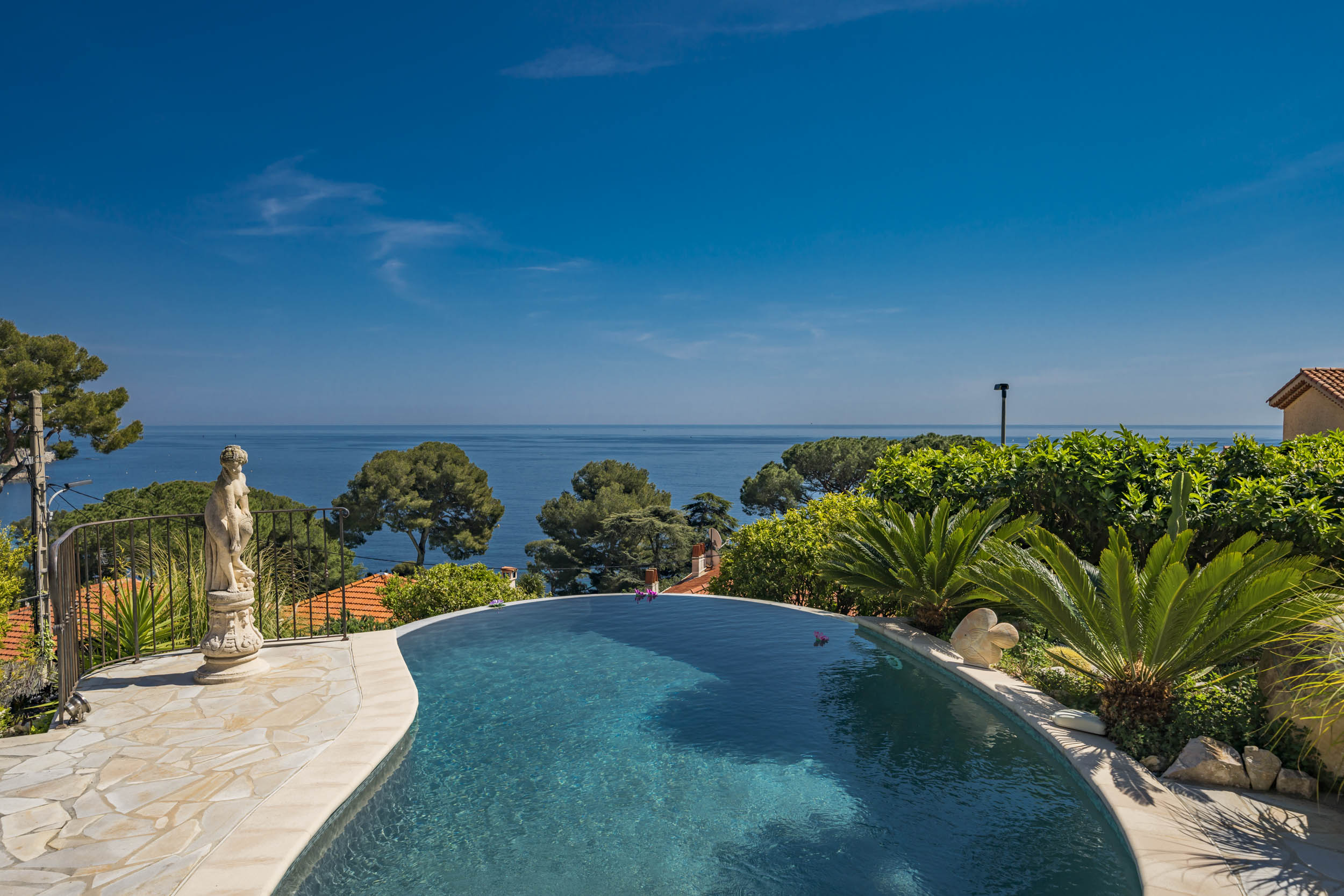 Property Image 2 - Distinctive Rustic Villa with a Luxurious View