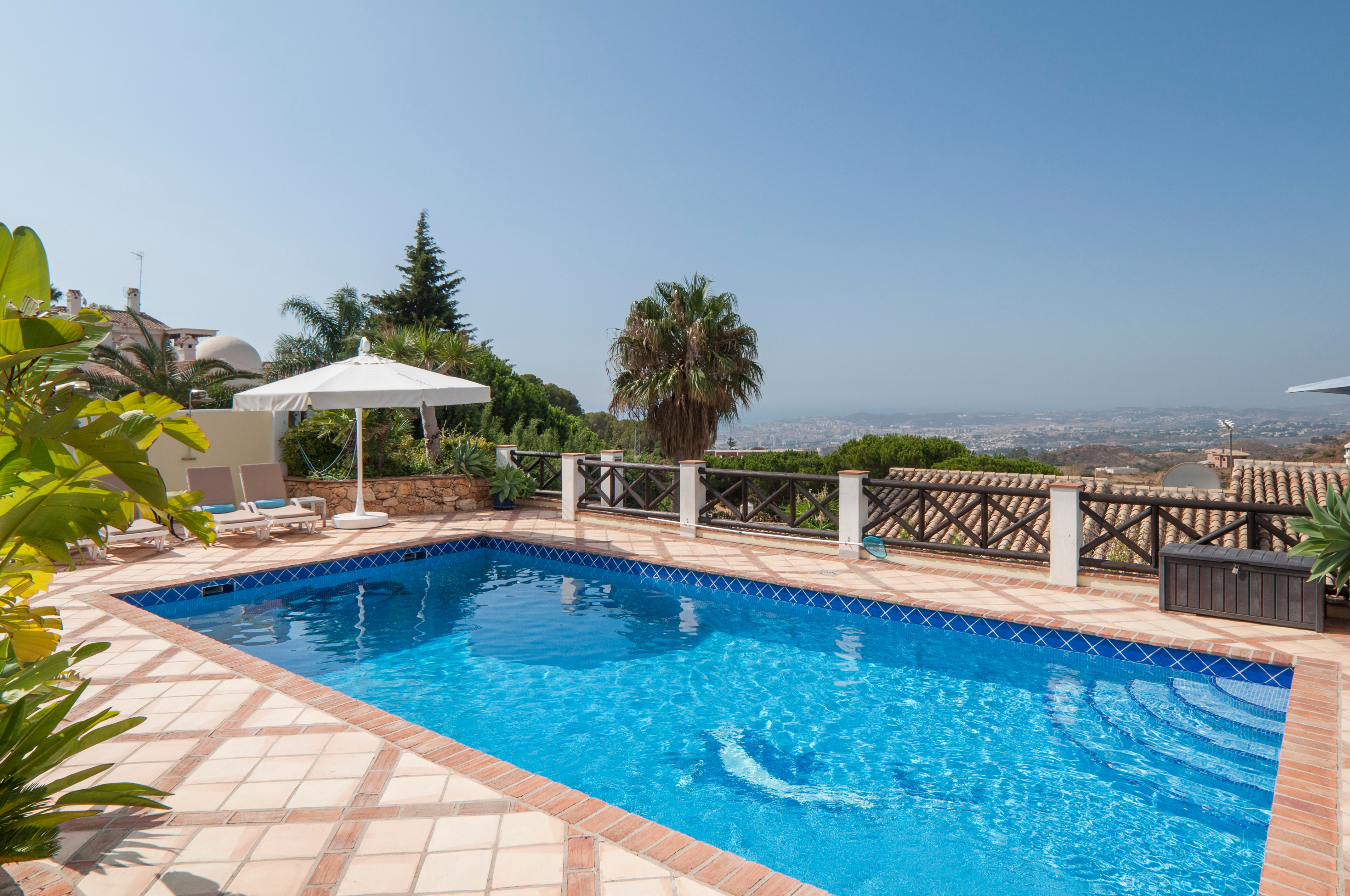 Property Image 2 - Fabulous Villa with Sea Views, Private Pool and Jacuzzi