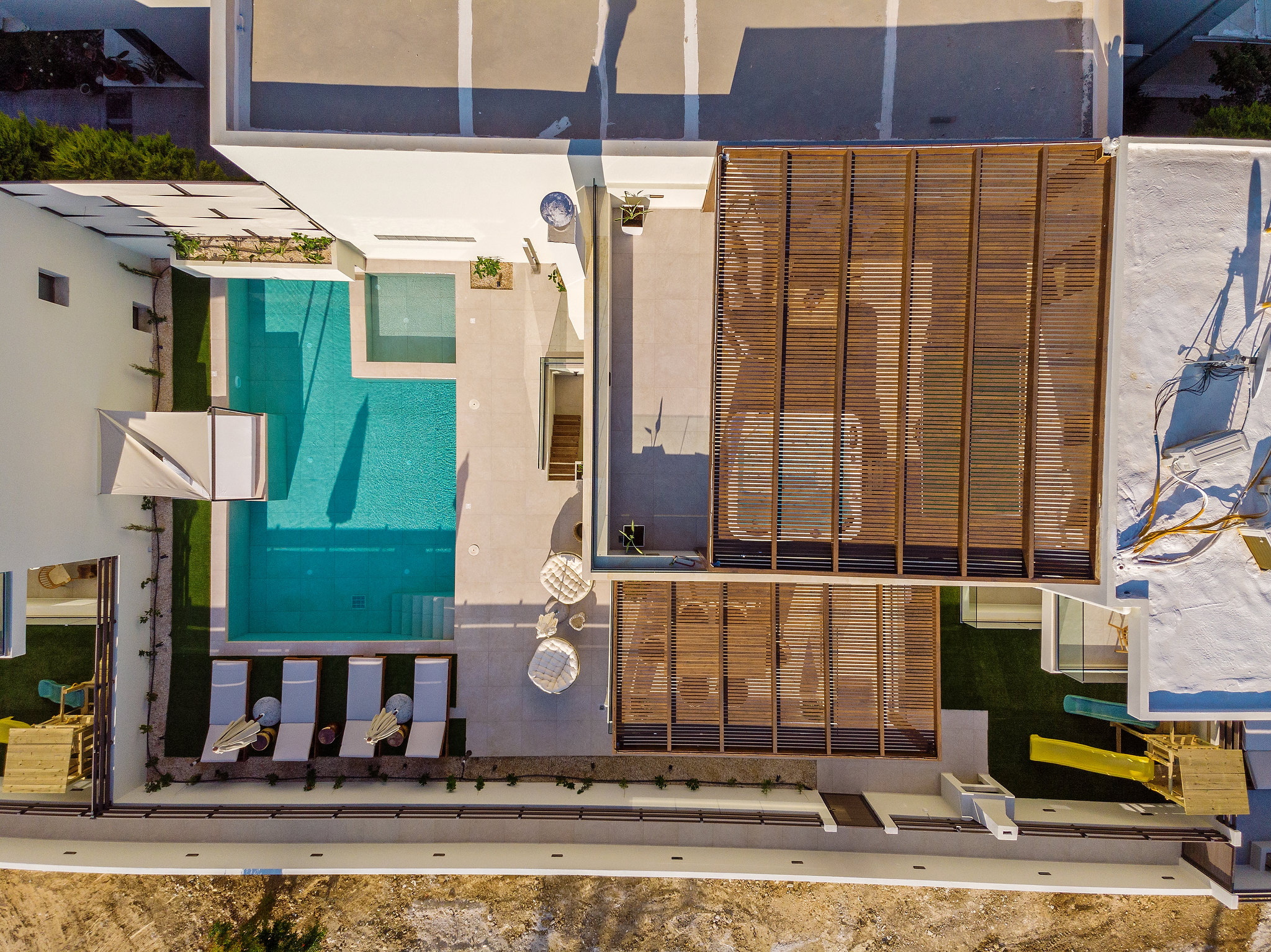 Property Image 2 - Modern Fresh Villa with Private Pool next to the Beach