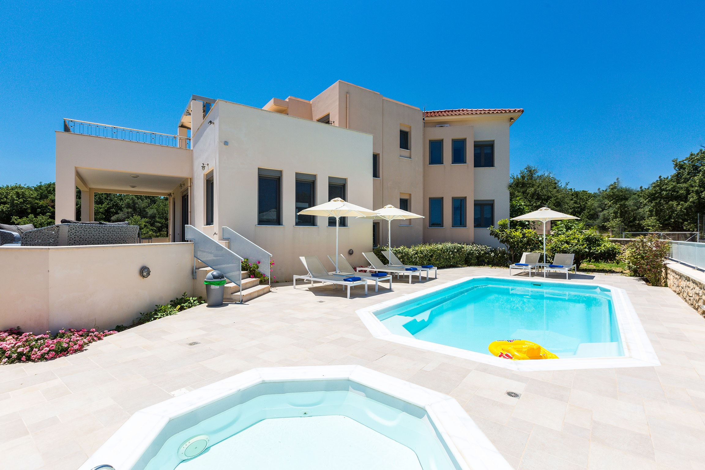 Property Image 2 - Marvelous Villa with Panoramic Mountain and Sea Views