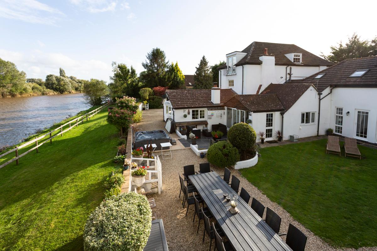 Property Image 1 - Elegant Riverside Estate across River Severn
