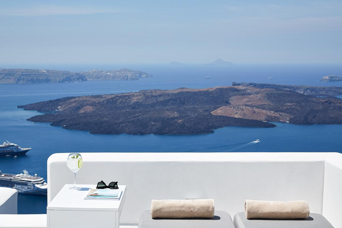 Property Image 1 - Stylish 3 Bedroom Villa with Extraordinary Cliff Edge Location and Epic Views