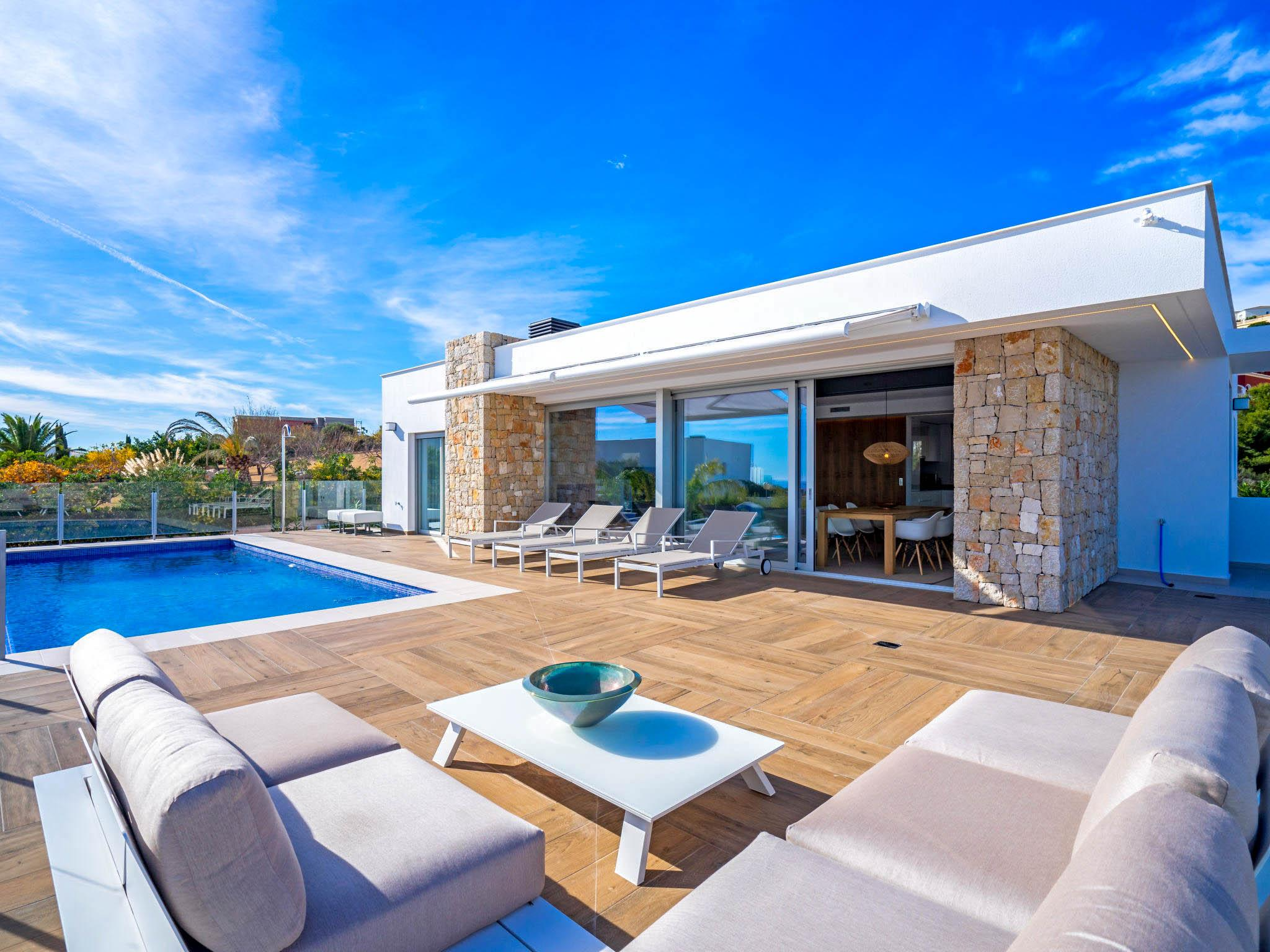 Property Image 1 - Elevated Stylish Upscale 3 Bedroom Villa with Wonderful Sea Views in Alicante