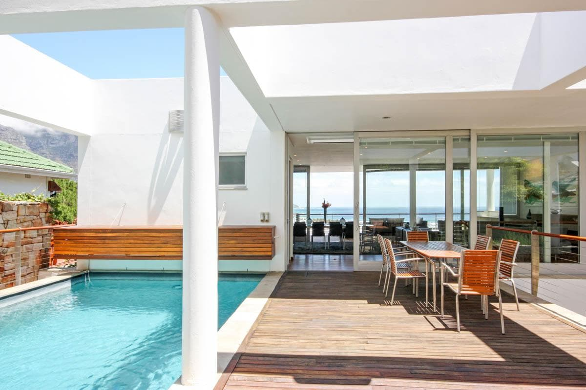 Property Image 2 - Sophisticated Modern Villa with outdoor pool