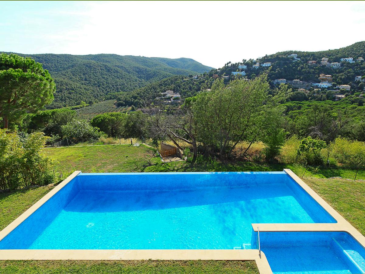 Property Image 2 - Fantastic Family Villa with Pool in Valencia