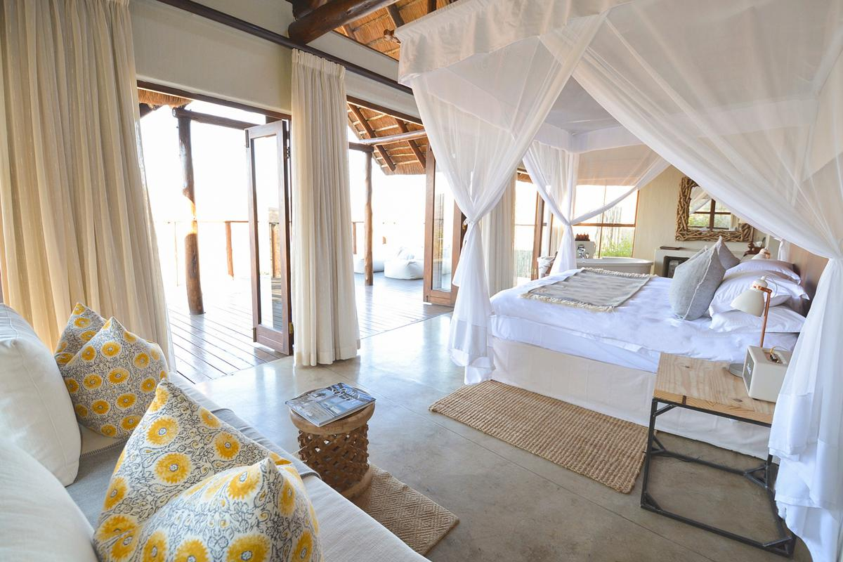 Property Image 2 - Spectacularly Beautiful Clifftop Suite with Simply Stunning Views in Nambiti Game Reserve