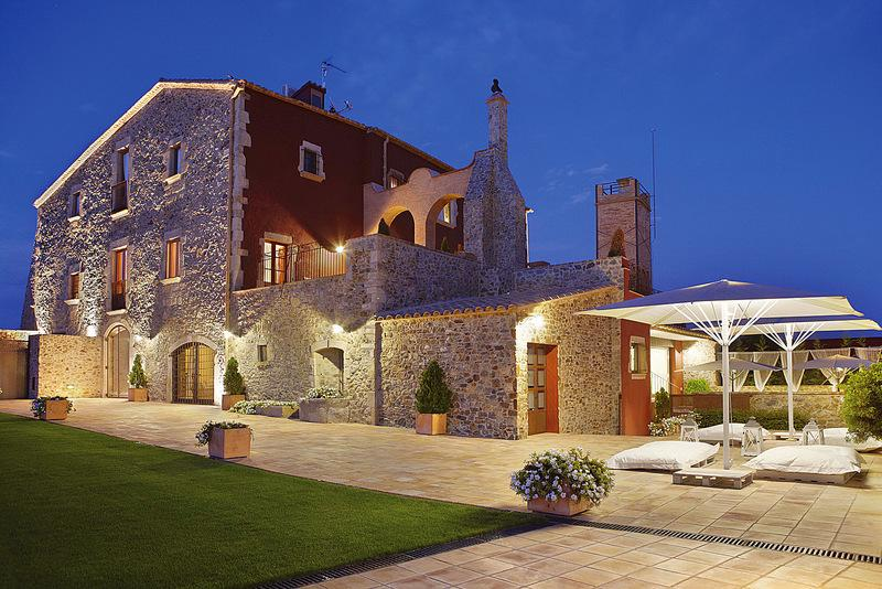 Property Image 1 - Impressive 14th Century Grand Catalan Mansion with Spectacular Amenities in Catalunya
