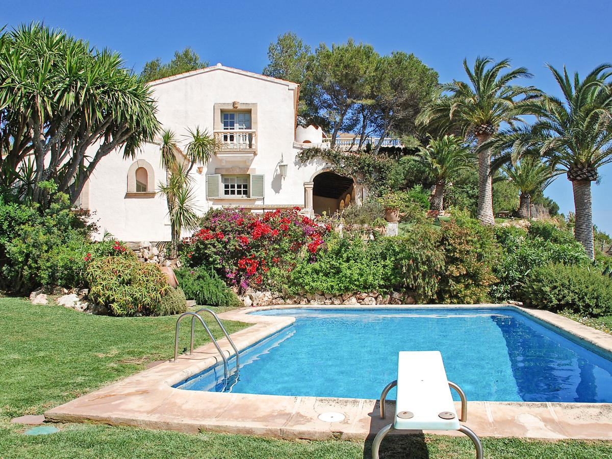 Property Image 1 - Attractive Clifftop Villa with Pool and Magnificent Ocean Views in Javea