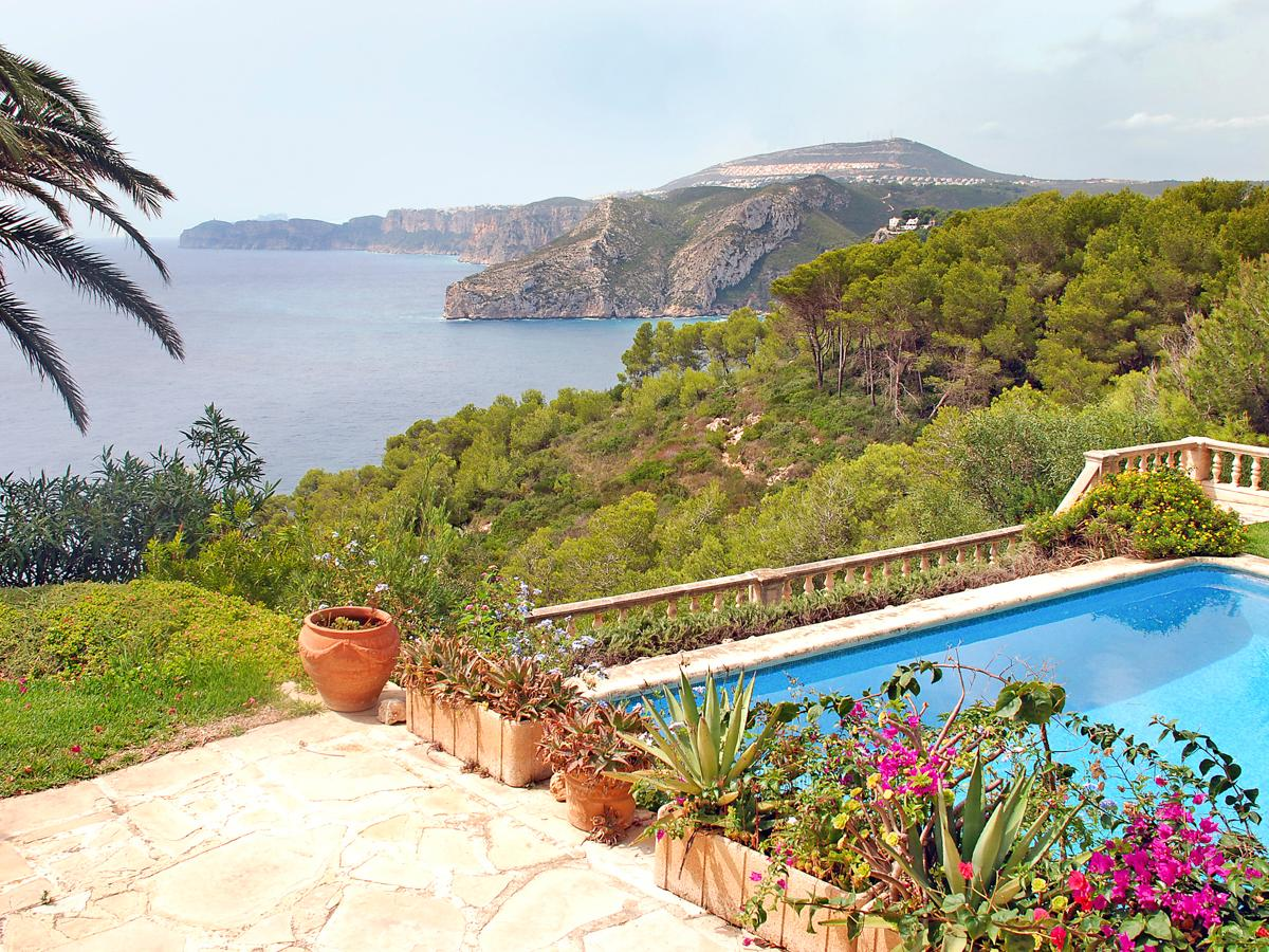 Property Image 2 - Attractive Clifftop Villa with Pool and Magnificent Ocean Views in Javea