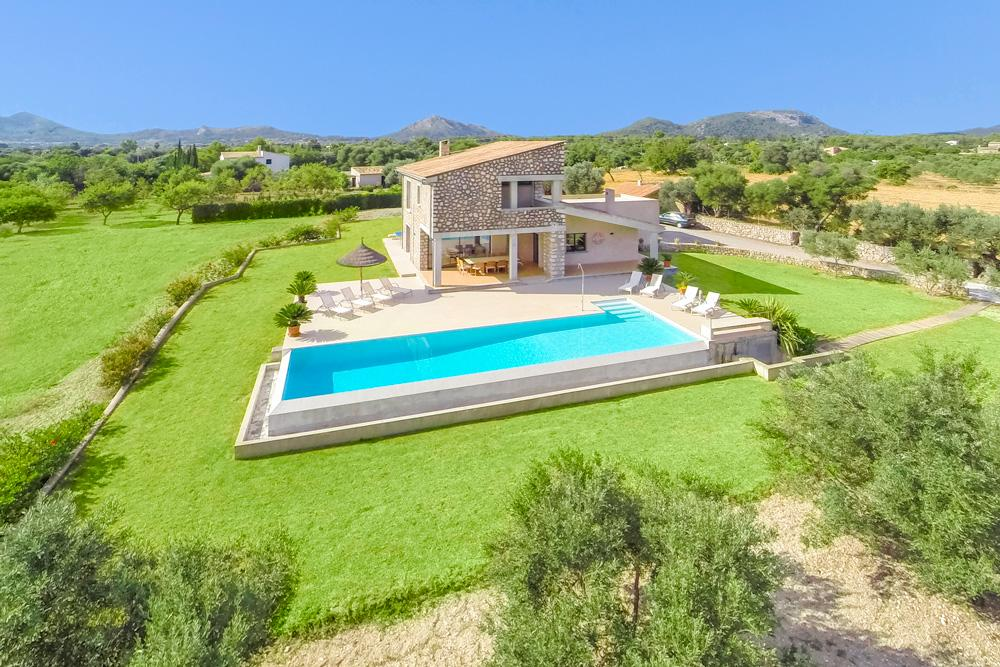 Property Image 1 - Beautifully Nestled Villa by the Majestic Tramuntana Mountains and Nearby Beaches