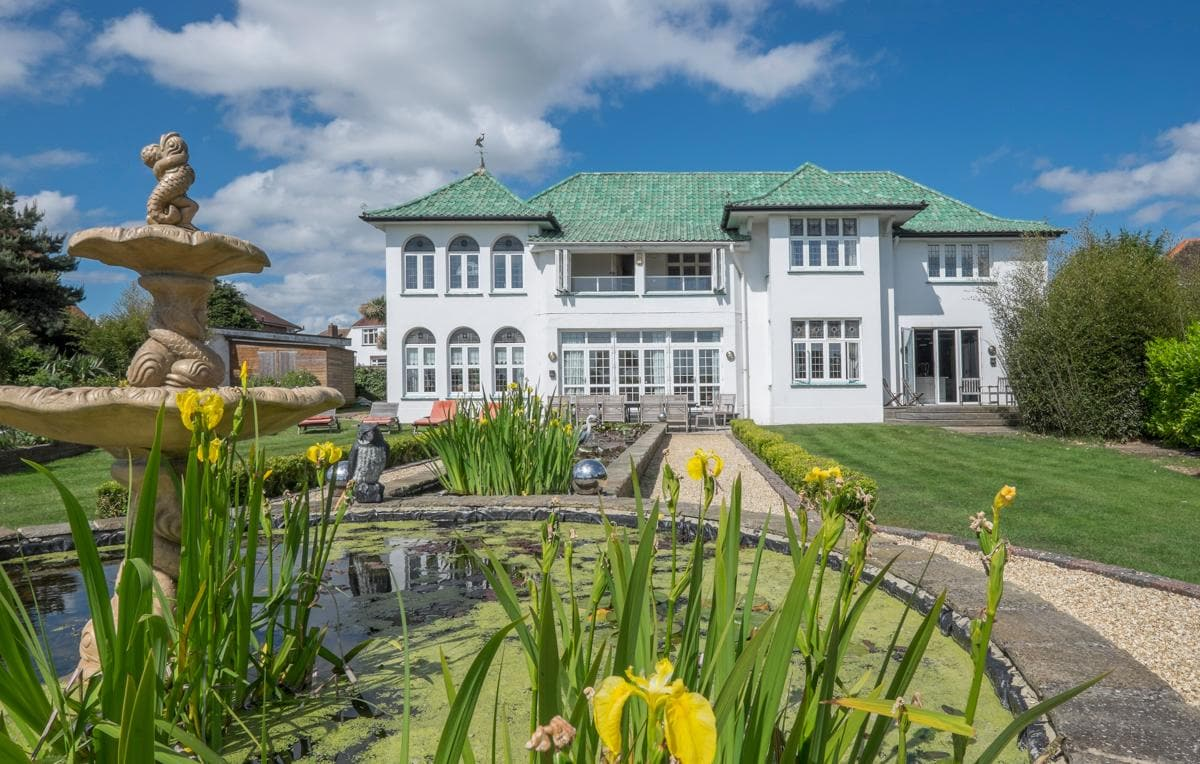 Property Image 1 - Amazing Art Deco Mansion on Cliff Overlooking Sandown Bay in Isle of Wight