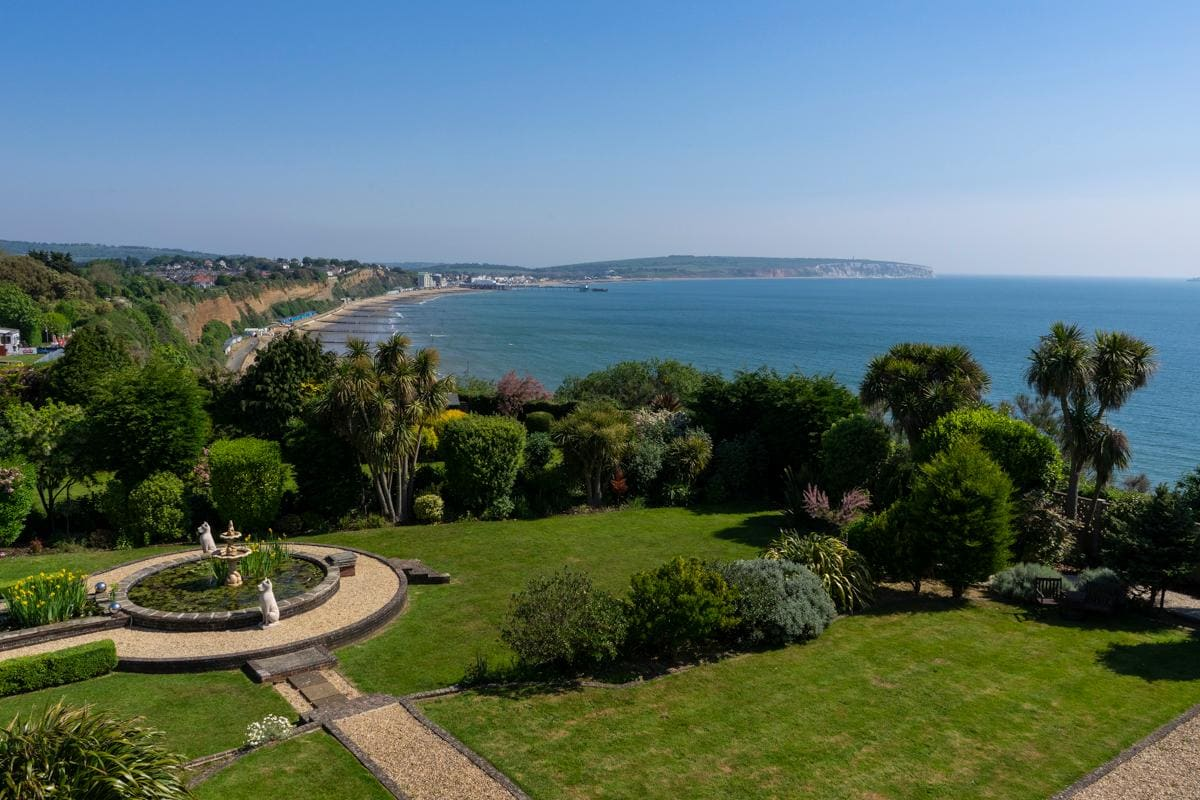 Property Image 2 - Amazing Art Deco Mansion on Cliff Overlooking Sandown Bay in Isle of Wight