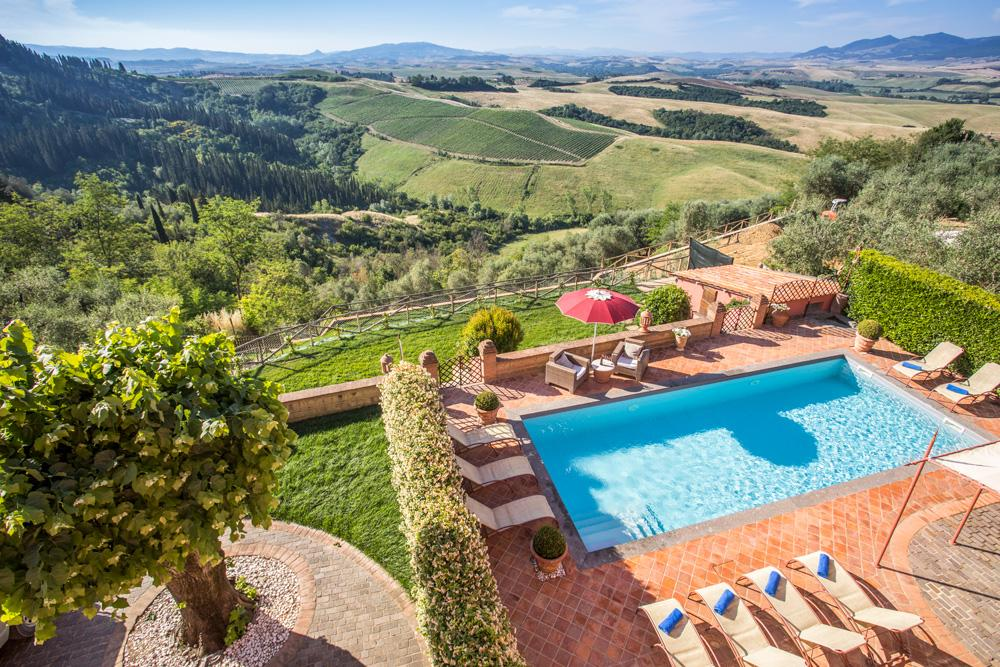 Property Image 2 - Fabulous Villa with Panoramic Views from the Pool