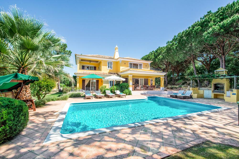 Elegant Villa Walking Distance to Beach and Lake with Pool and Terrace