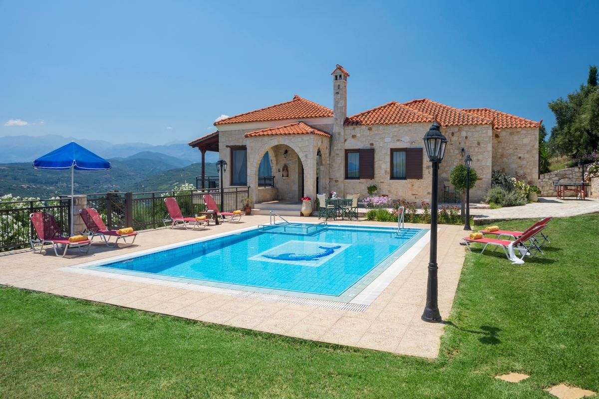 Property Image 1 - Splendid 4 Bedroom Villa with Spectacular Scenic Views from white mountains to stunning coastline below