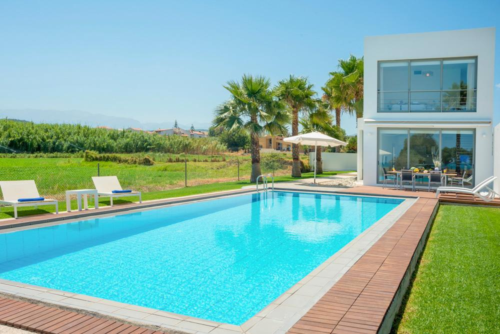 Property Image 1 - Lovely Minimalistic 2 Bedroom Villa with Beautiful Sea Views in Chania