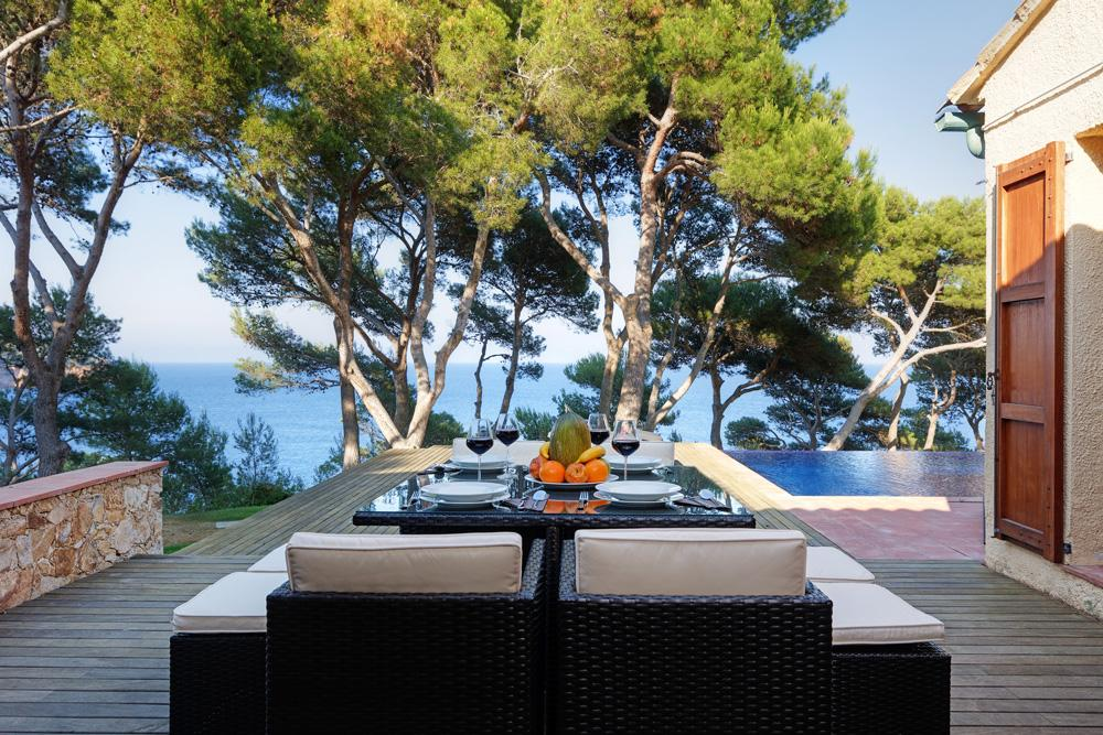 Property Image 2 - Relaxing Villa Overlooking the Mediterranean Sea