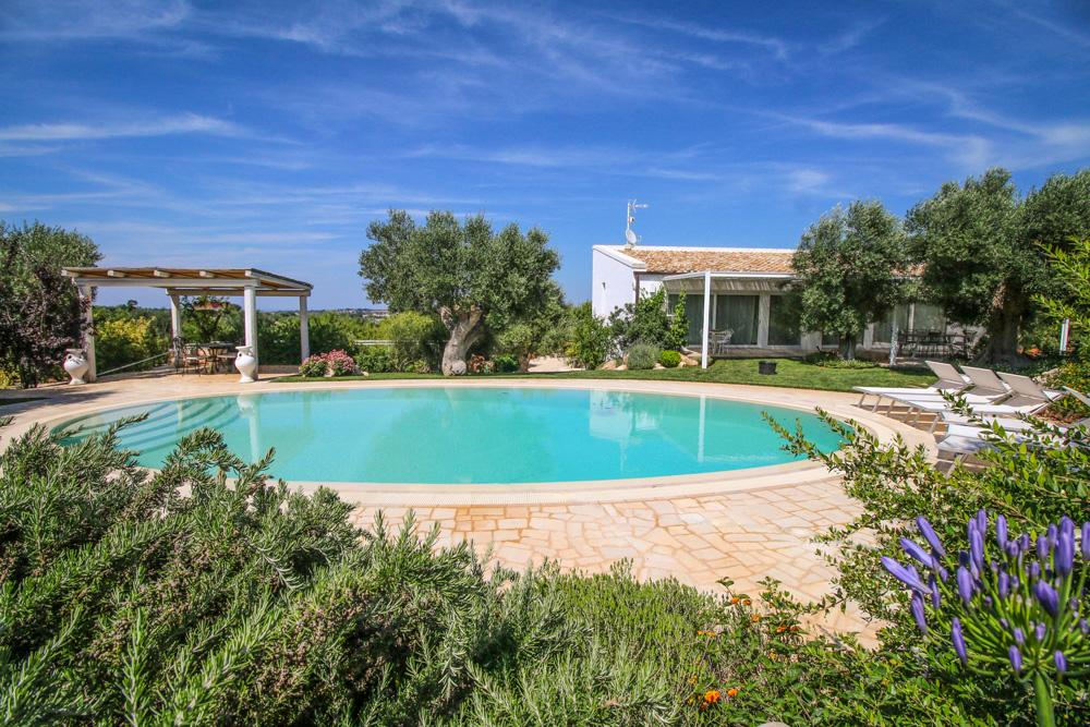 Property Image 1 - Romantic Puglia Villa with Private Swimming Pool