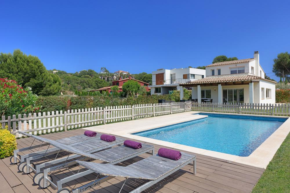 Property Image 1 - Peaceful Mountain View Villa in Costa Brava, Sleeps 8