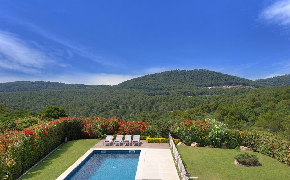 Property Image 2 - Peaceful Mountain View Villa in Costa Brava, Sleeps 8